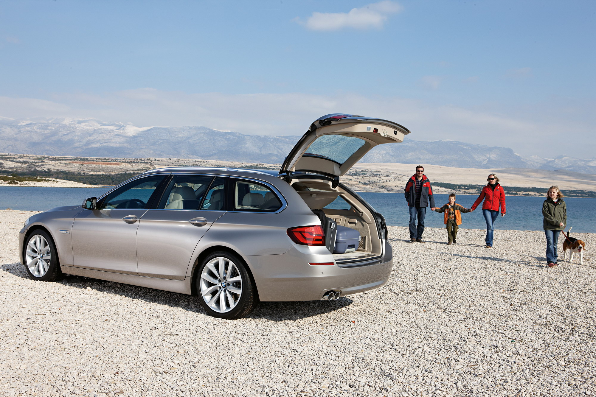 2011 BMW 5-Series Touring Review - Top Speed