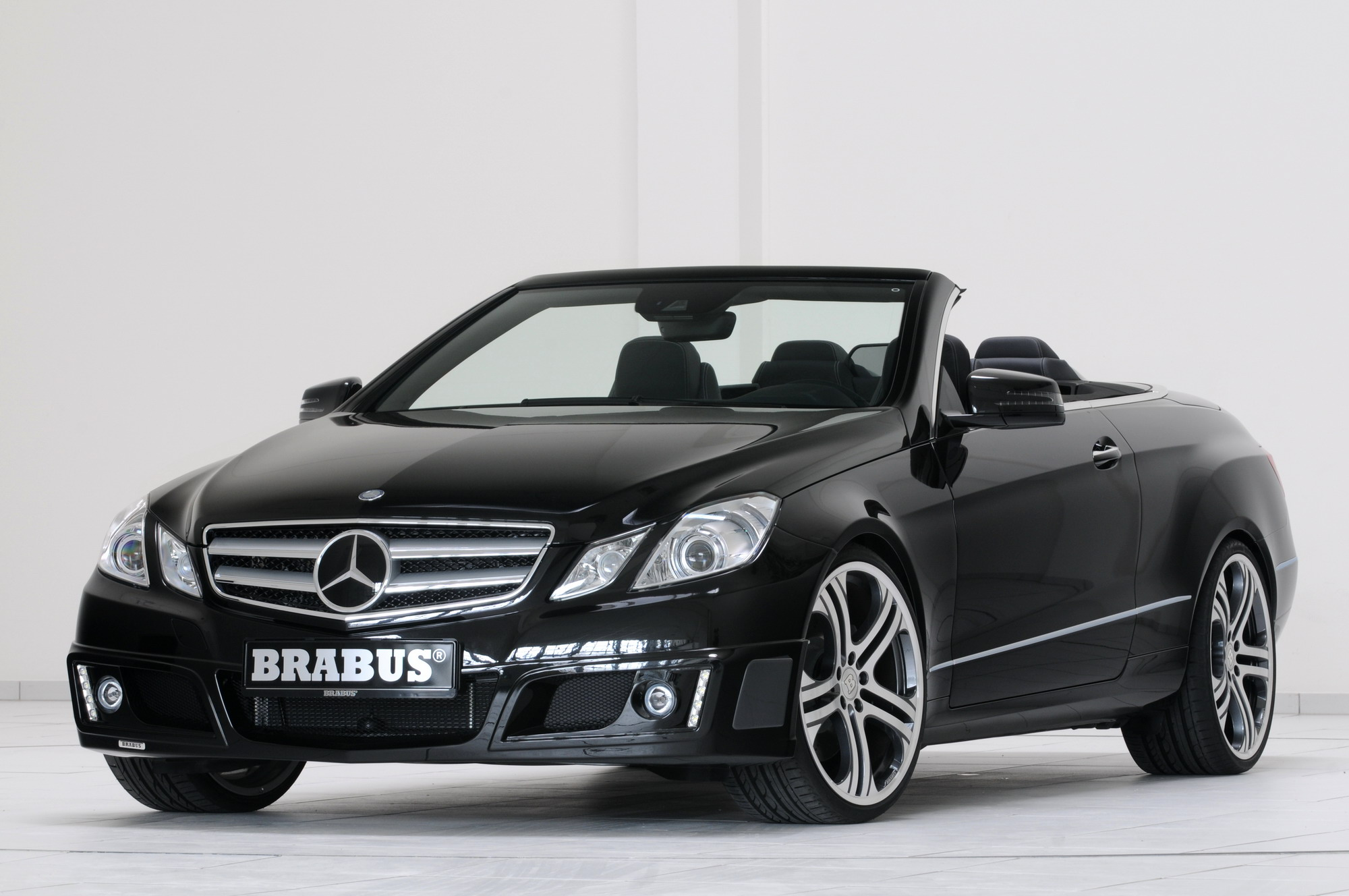 mercedes e class cabriolet by brabus top speed. Black Bedroom Furniture Sets. Home Design Ideas