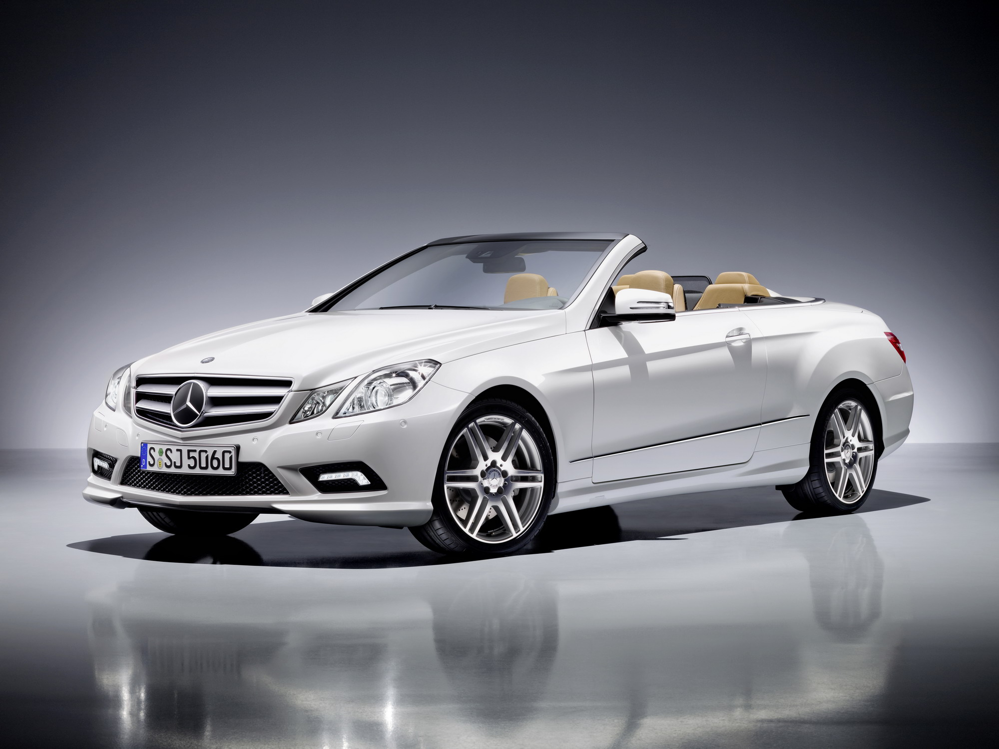 2011 mercedes e class cabrio with amg package review top. Black Bedroom Furniture Sets. Home Design Ideas