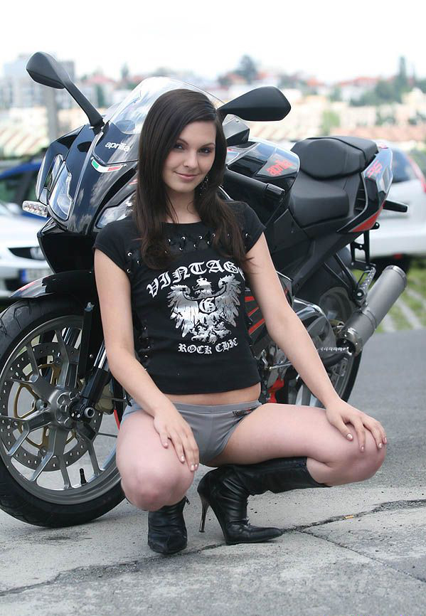 Victory Motorcycle Parts >> Sexy Bikers: Brunette & Aprilia RS125 - Picture 360398   motorcycle News @ Top Speed