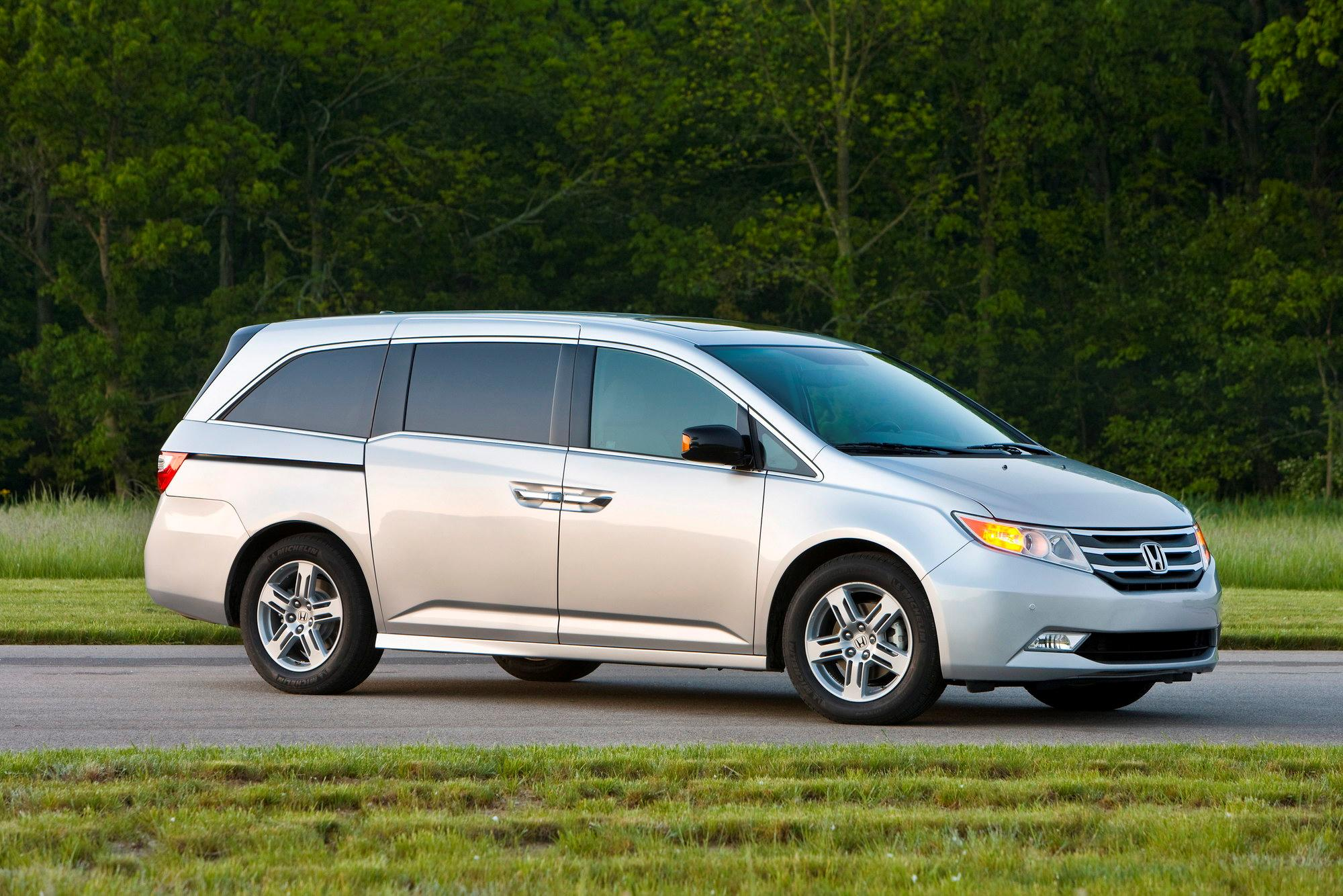 2011 honda odyssey touring elite review top speed. Black Bedroom Furniture Sets. Home Design Ideas