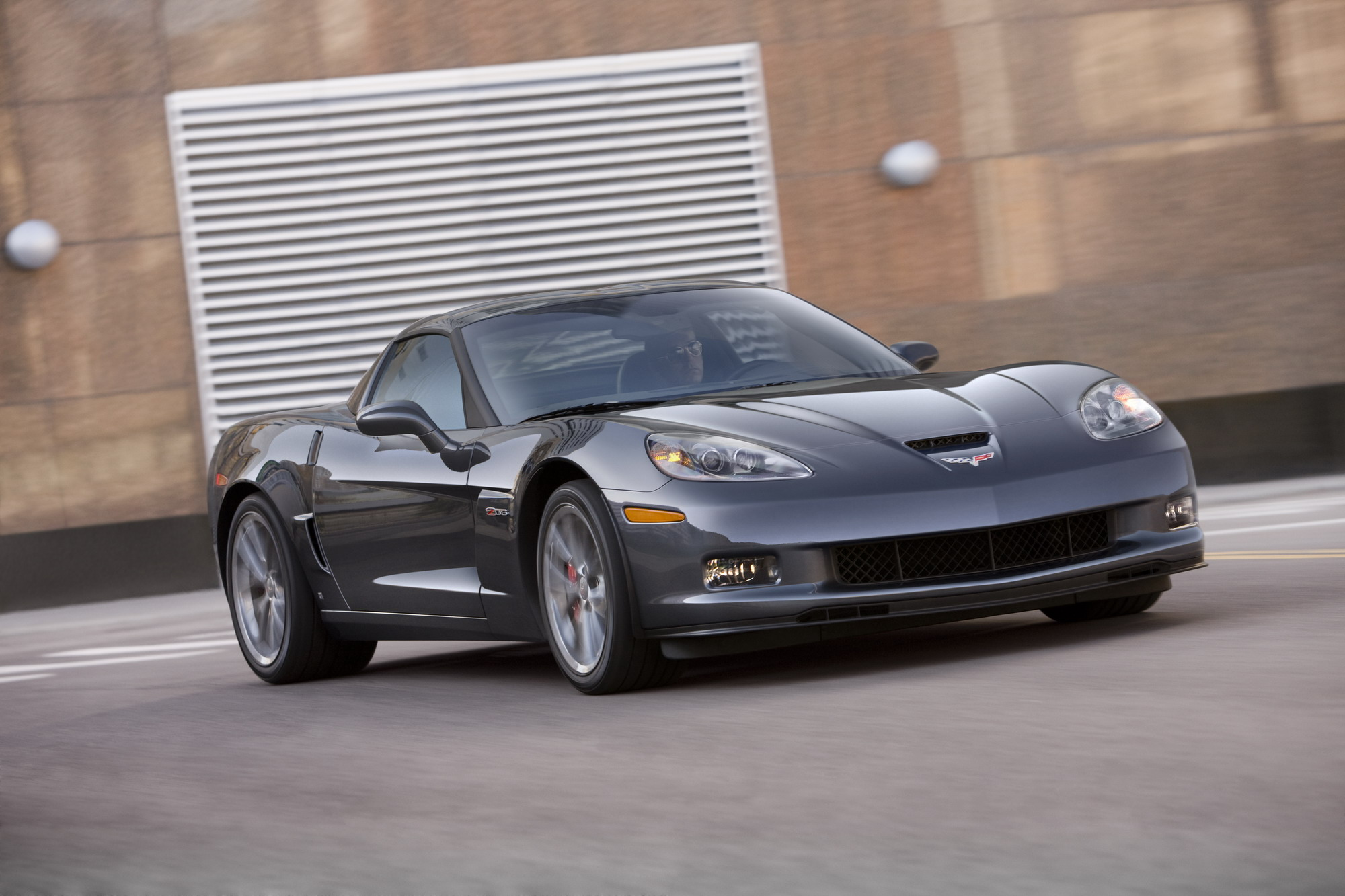 Chevrolet Brings Some Changes For The 2011 Corvette Z06 News   Top Speed. »