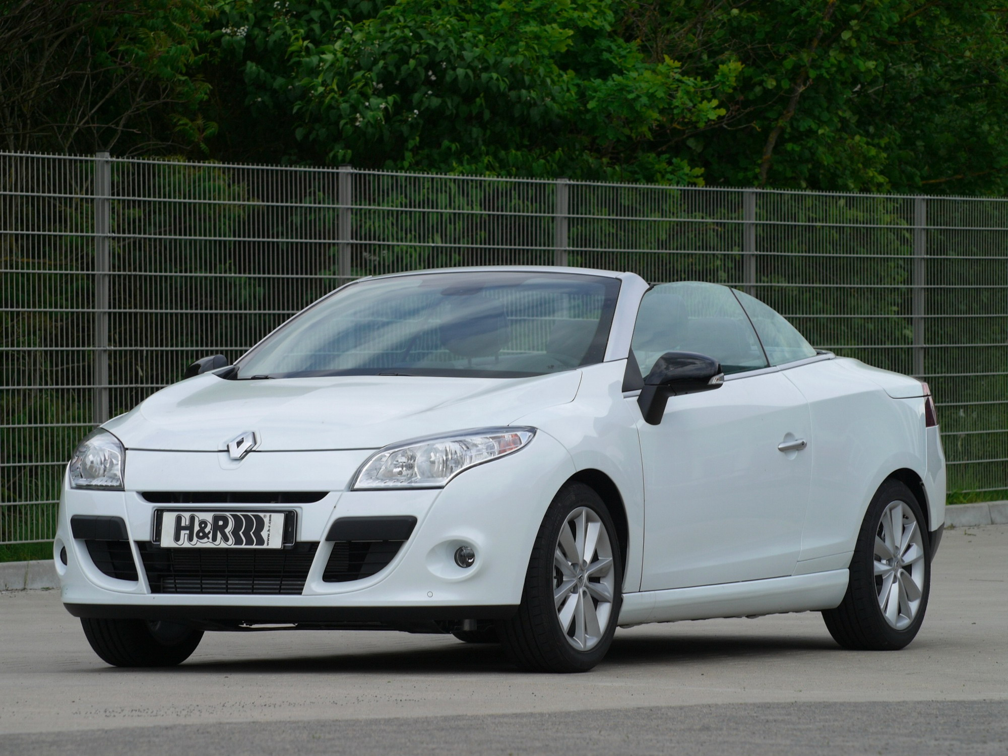 2010 renault megane coupe cabrio by h r review gallery top speed. Black Bedroom Furniture Sets. Home Design Ideas