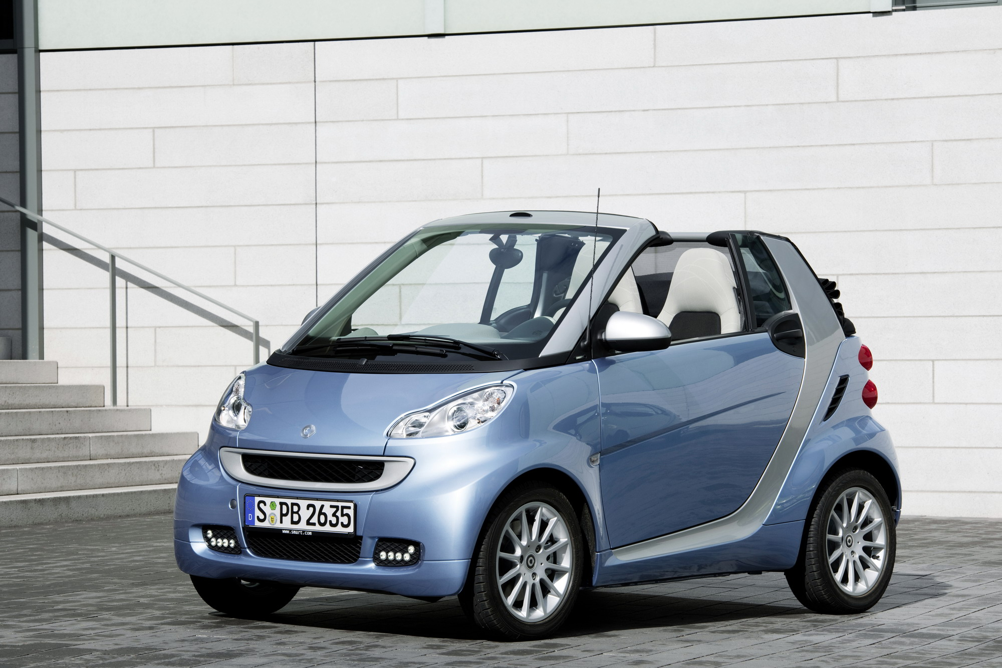 2011 smart fortwo top speed. Black Bedroom Furniture Sets. Home Design Ideas