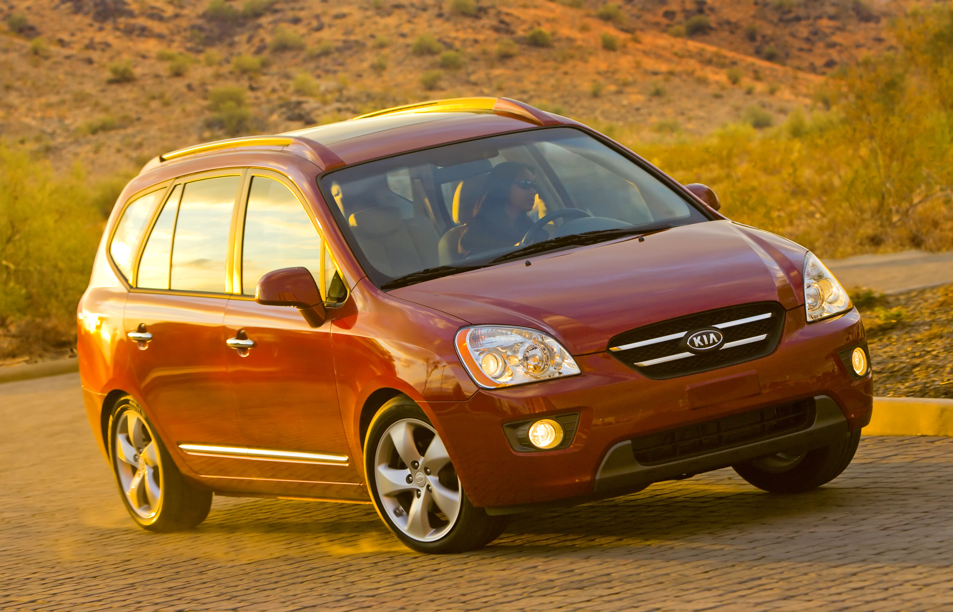 Kia Rondo's Demise In USA: Can Small People Movers Sell ...