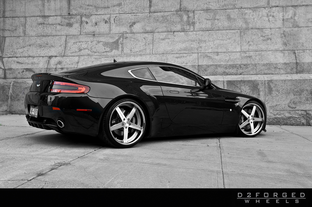 http://pictures.topspeed.com/IMG/jpg/201009/d2forged-aston-marti-5w.jpg