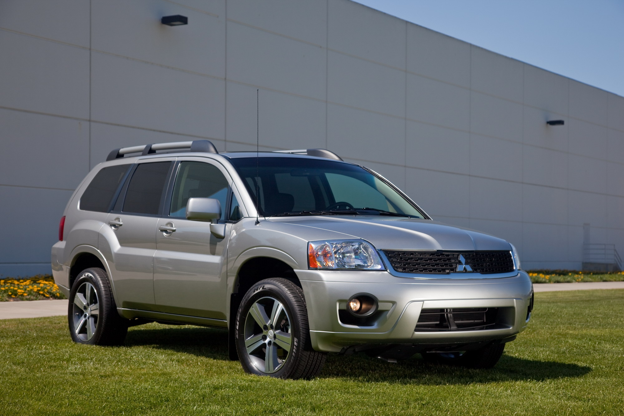 2011 mitsubishi endeavor review top speed. Black Bedroom Furniture Sets. Home Design Ideas