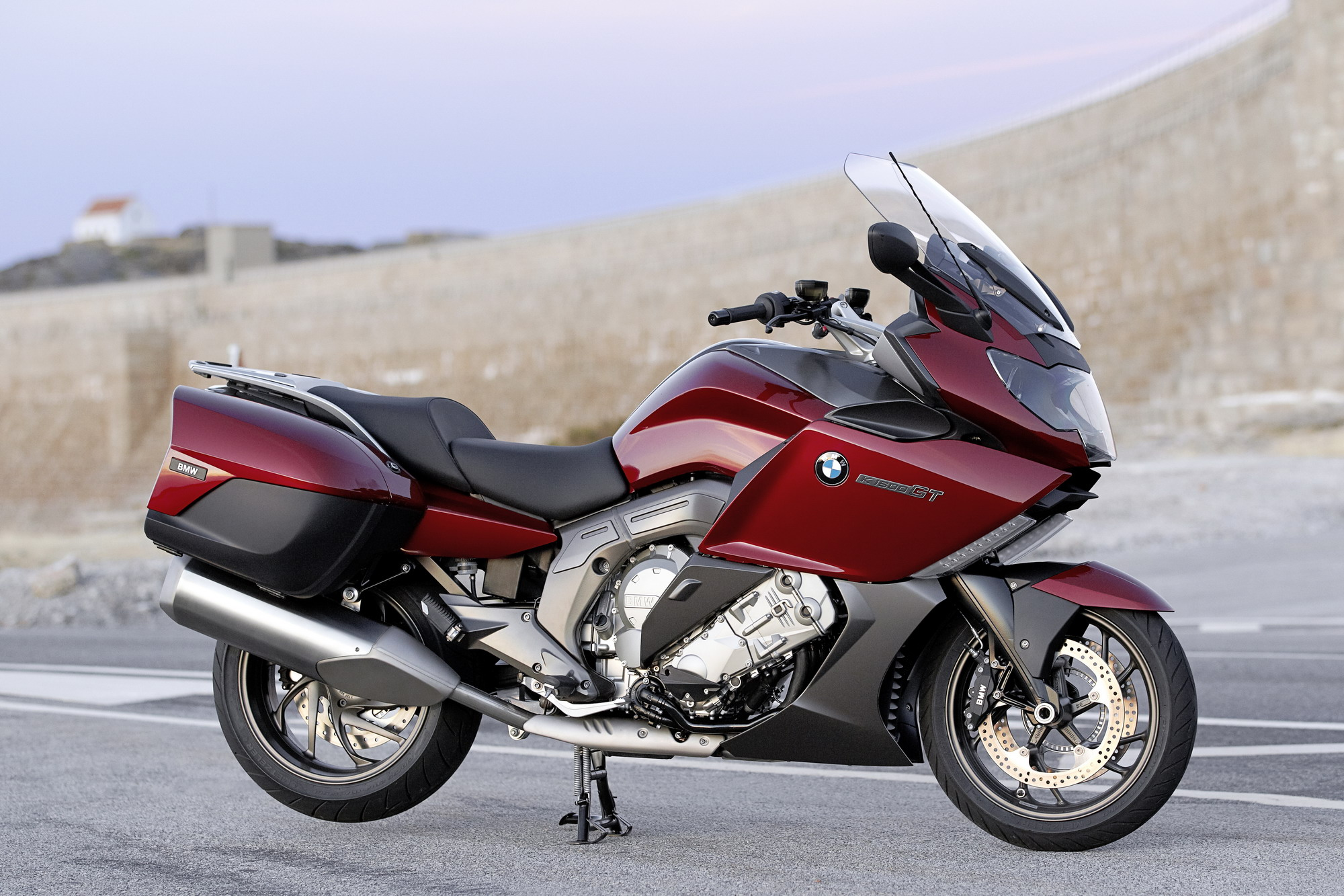 2012 bmw k 1600 gt and k 1600 gtl review top speed. Black Bedroom Furniture Sets. Home Design Ideas