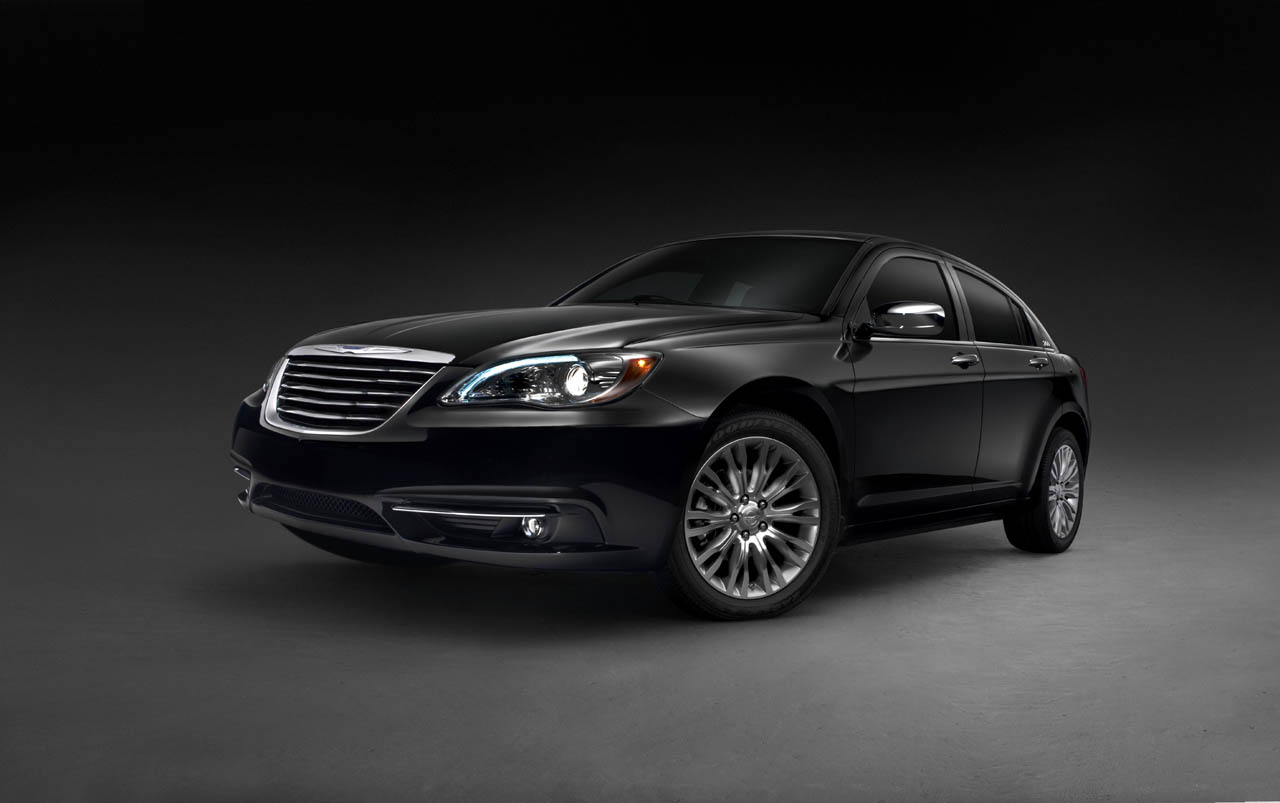 Ladies And Gentleman The Wait Is Now Over For First Time We Can See New Chrysler 200 In All Its Glory Four Door Sedan Draws On 200C