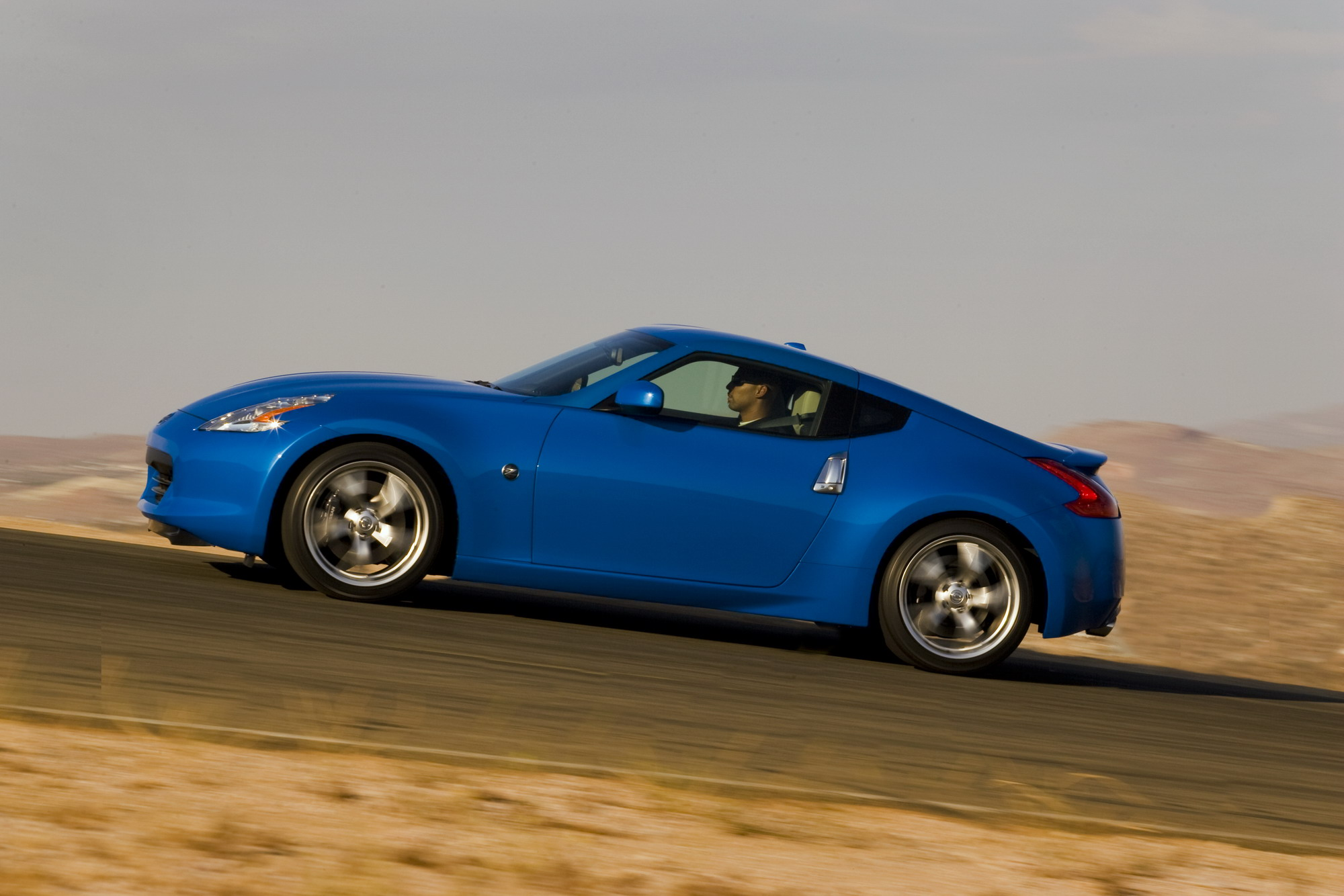 2011 nissan 370z coupe review top speed. Black Bedroom Furniture Sets. Home Design Ideas