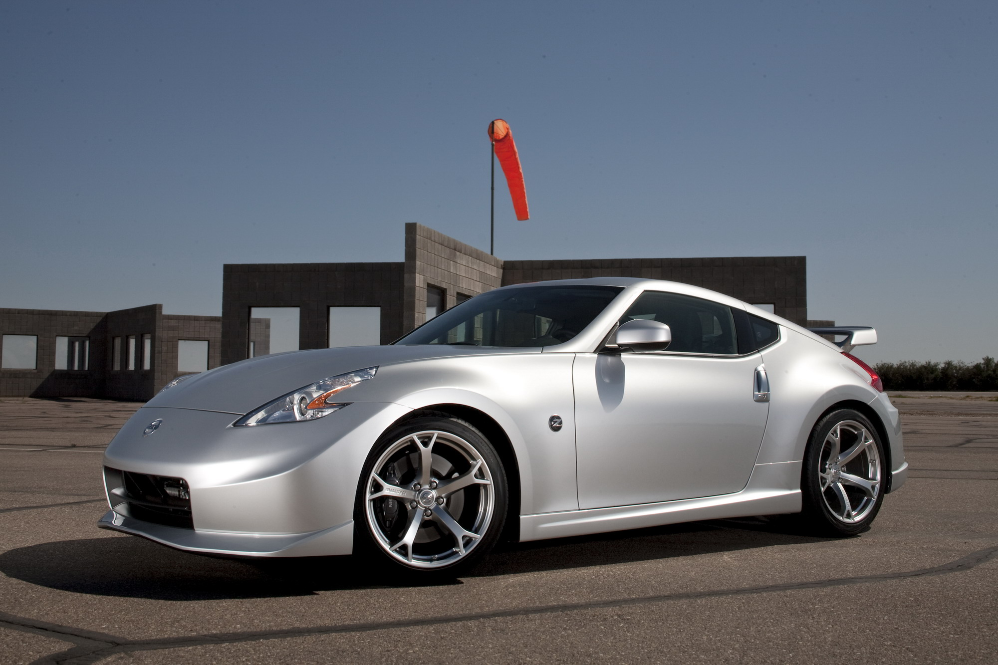 2011 Nissan NISMO 370Z Review - Top Speed