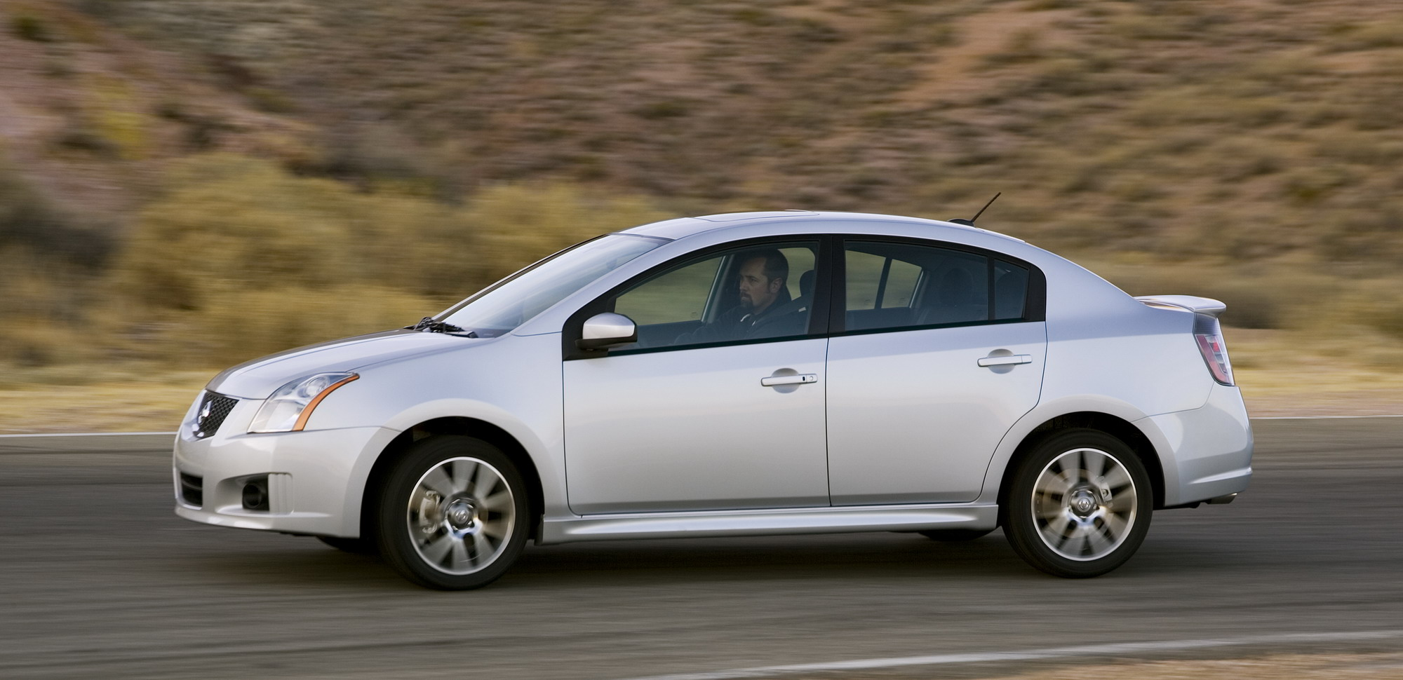 2011 Nissan Sentra SE R | Top Speed. »