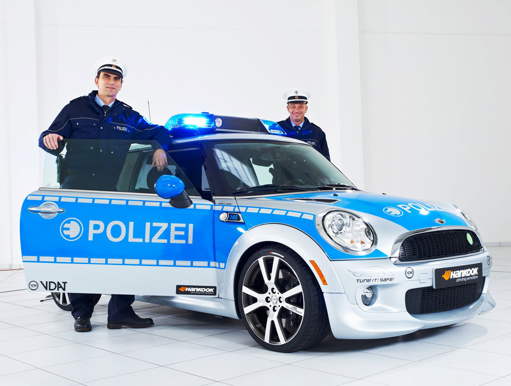2010 mini e polizei by ac schnitzer review top speed. Black Bedroom Furniture Sets. Home Design Ideas