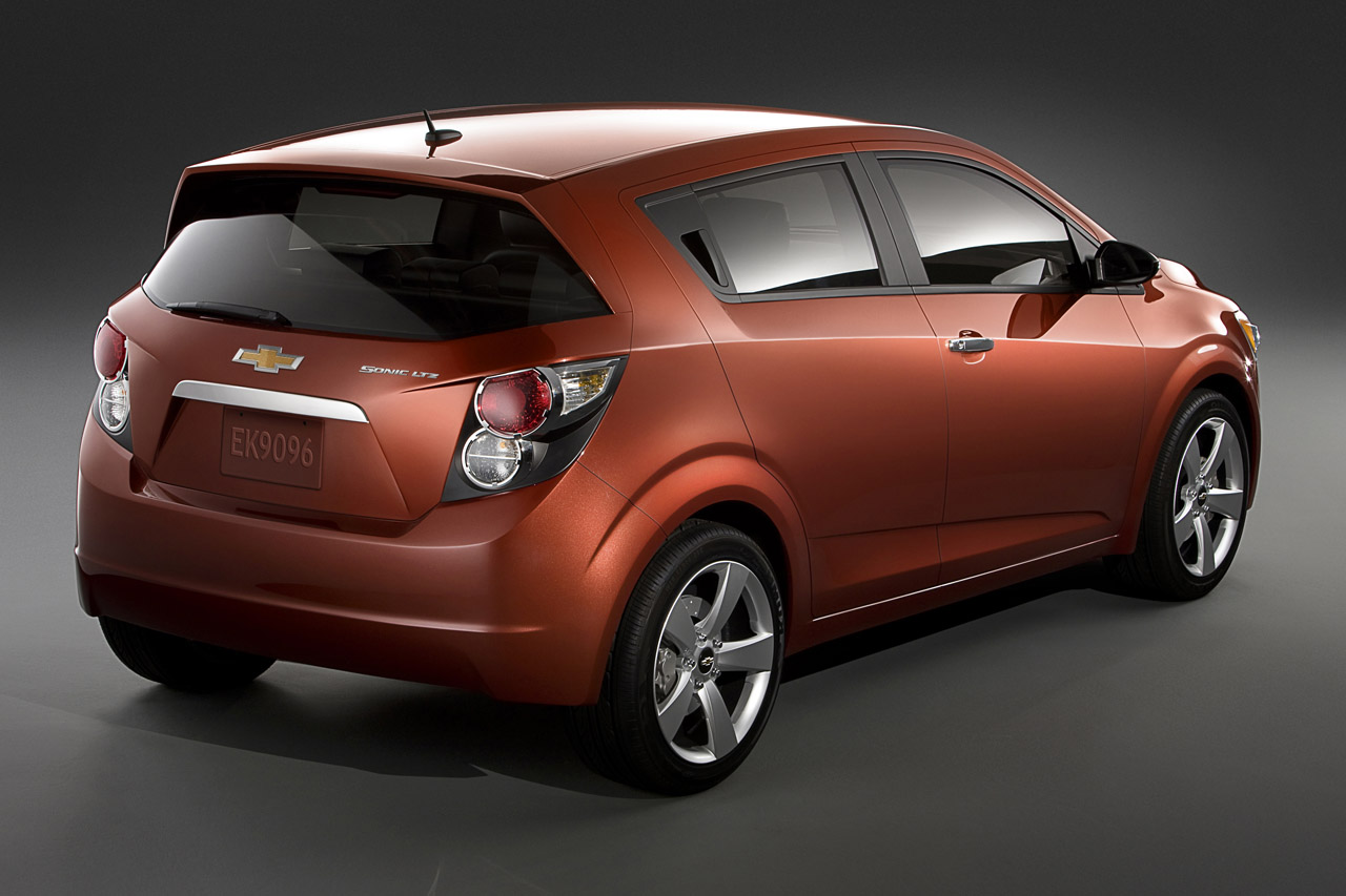 2012 chevrolet sonic review top speed. Black Bedroom Furniture Sets. Home Design Ideas