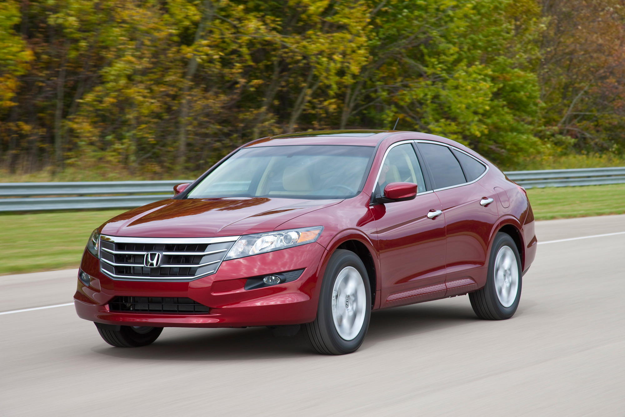 2011 honda accord crosstour gallery 385355 top speed. Black Bedroom Furniture Sets. Home Design Ideas