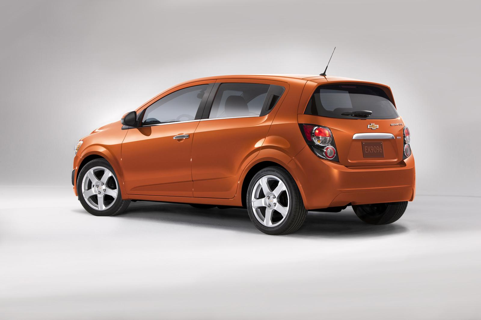 Chevrolet Sonic Repair Manual: Control Valve Body Assembly Removal
