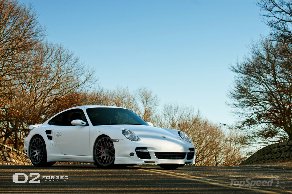 http://pictures.topspeed.com/IMG/jpg/201101/porsche-997-turbo-by-3w.jpg