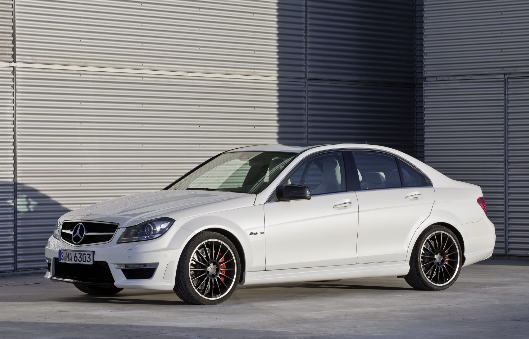 2012 mercedes c63 amg top speed. Black Bedroom Furniture Sets. Home Design Ideas