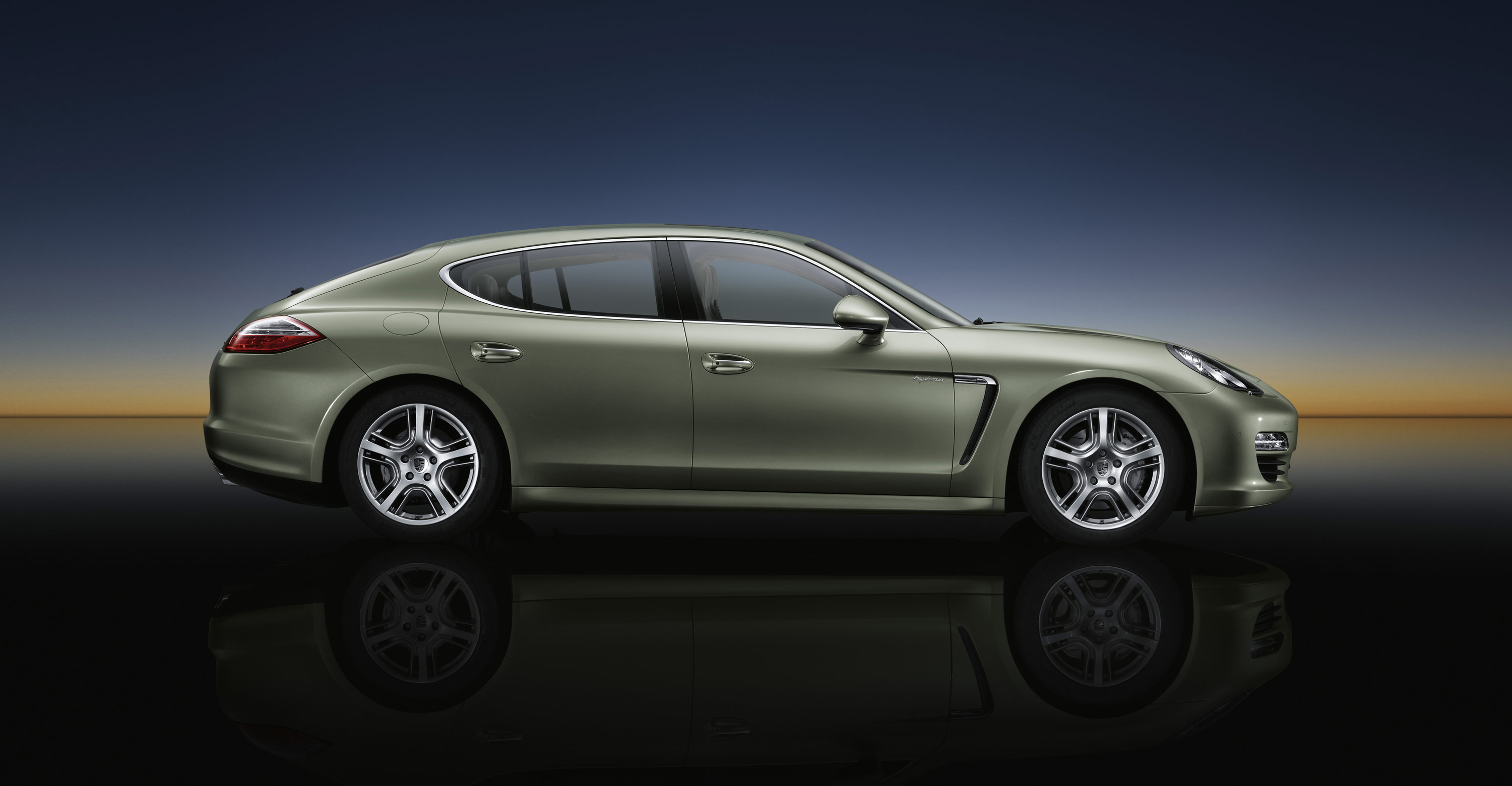 2012 Porsche Panamera S Hybrid Review   Top Speed. »