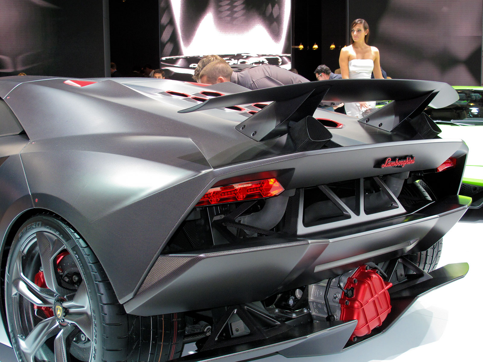 Lamborghini sesto elemento top speed mph