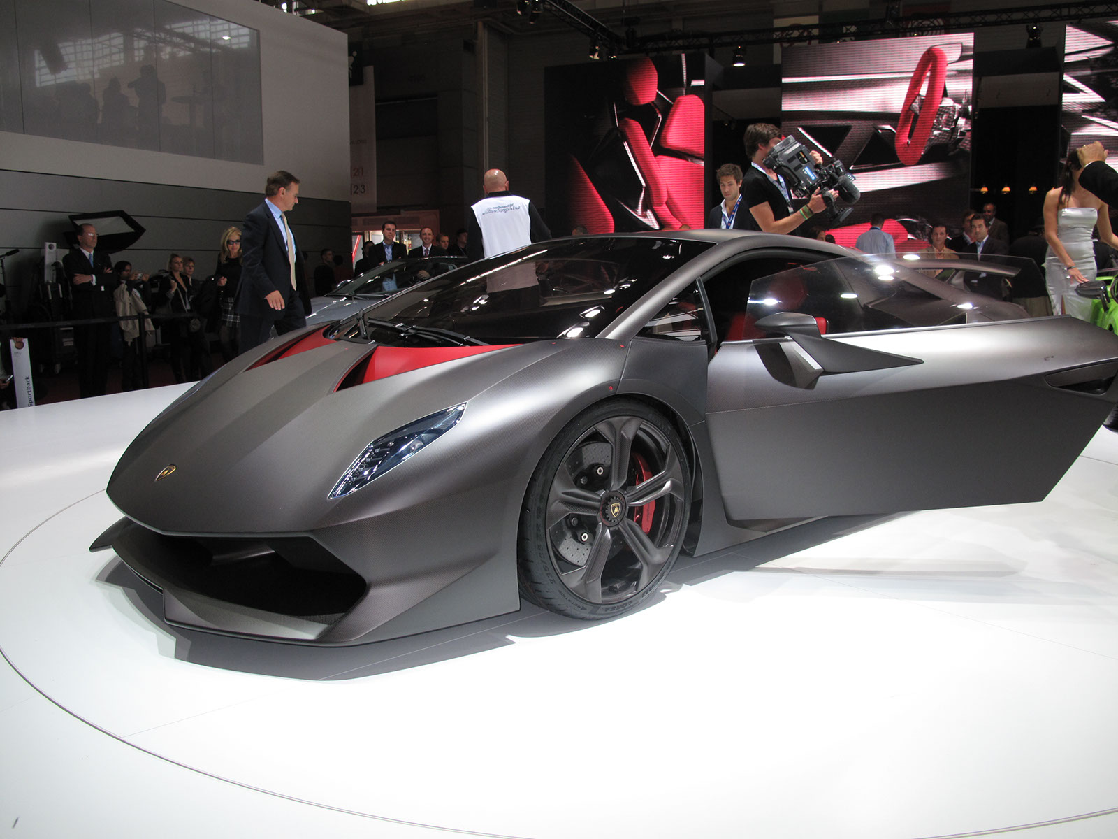 2013 Lamborghini Sesto Elemento Top Speed