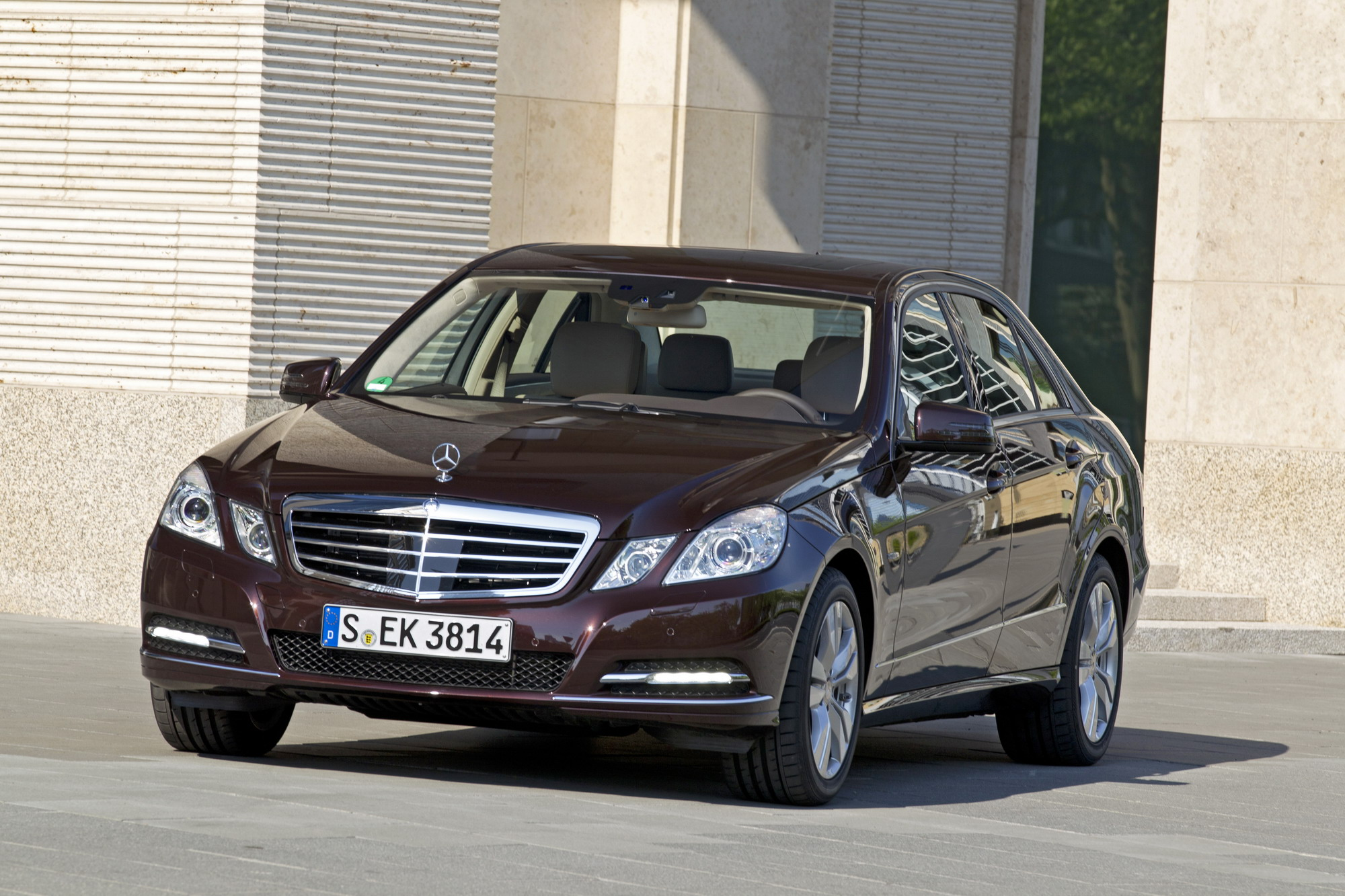 2009 2012 mercedes benz e class review gallery top speed. Black Bedroom Furniture Sets. Home Design Ideas