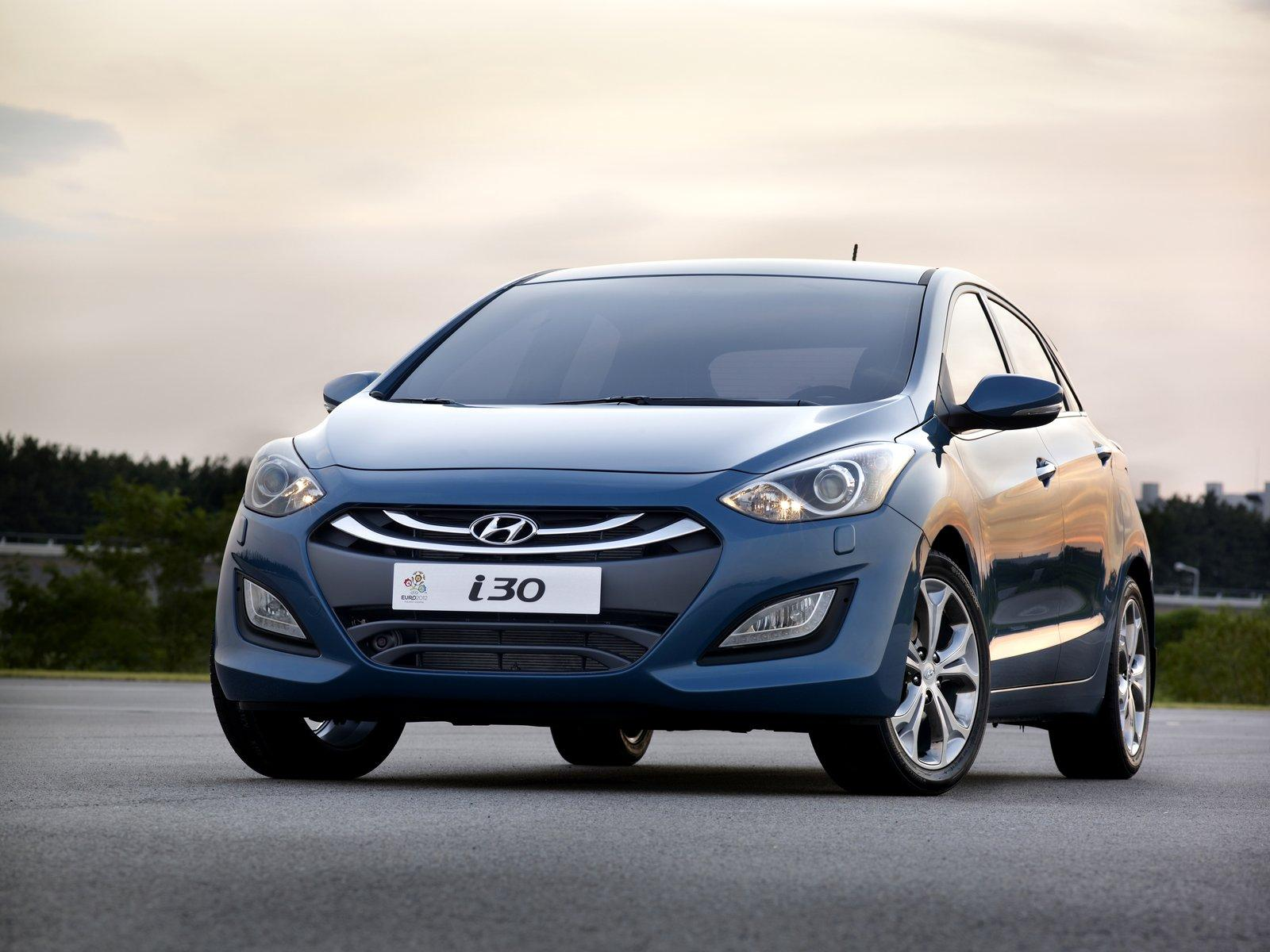 2012 hyundai i30 elantra touring pictures photos wallpapers top speed. Black Bedroom Furniture Sets. Home Design Ideas