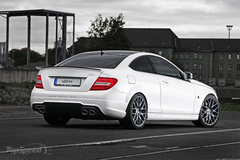 http://pictures.topspeed.com/IMG/jpg/201110/mercedes-c63-amg-cou-2w.jpg