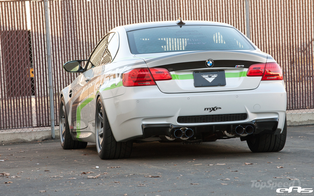 http://pictures.topspeed.com/IMG/jpg/201111/bmw-gts-v-m3-by-vors-16w.jpg
