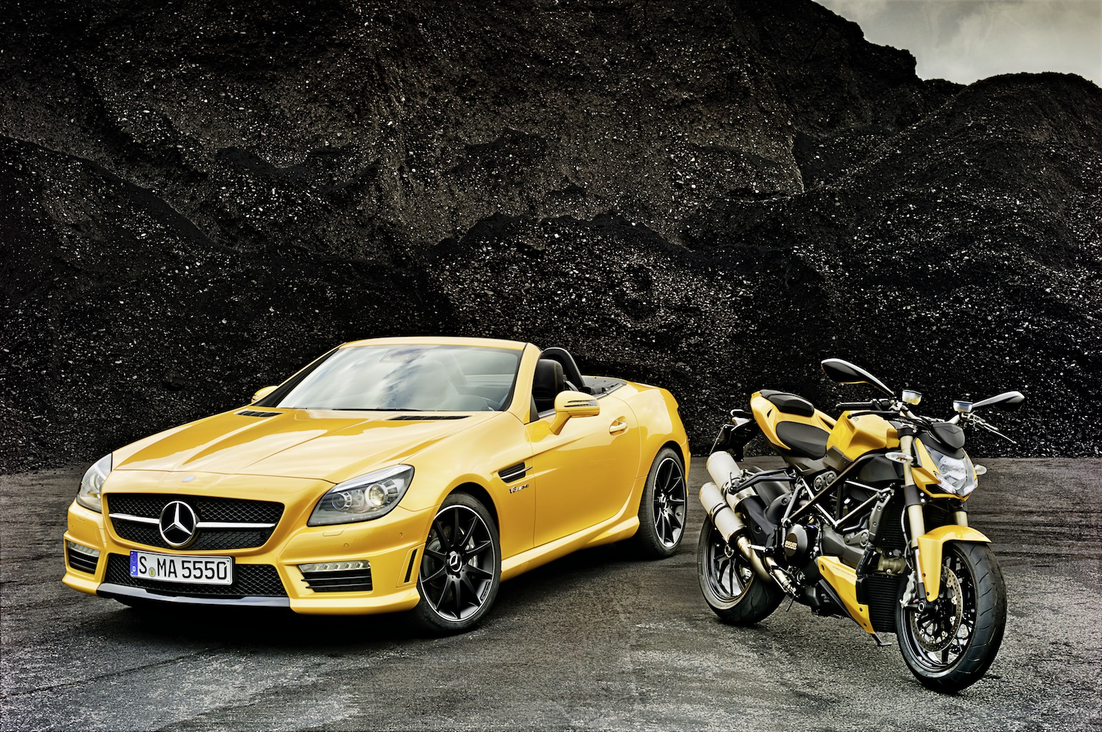 2012 mercedes slk 55 amg streetfighter yellow review top speed. Black Bedroom Furniture Sets. Home Design Ideas