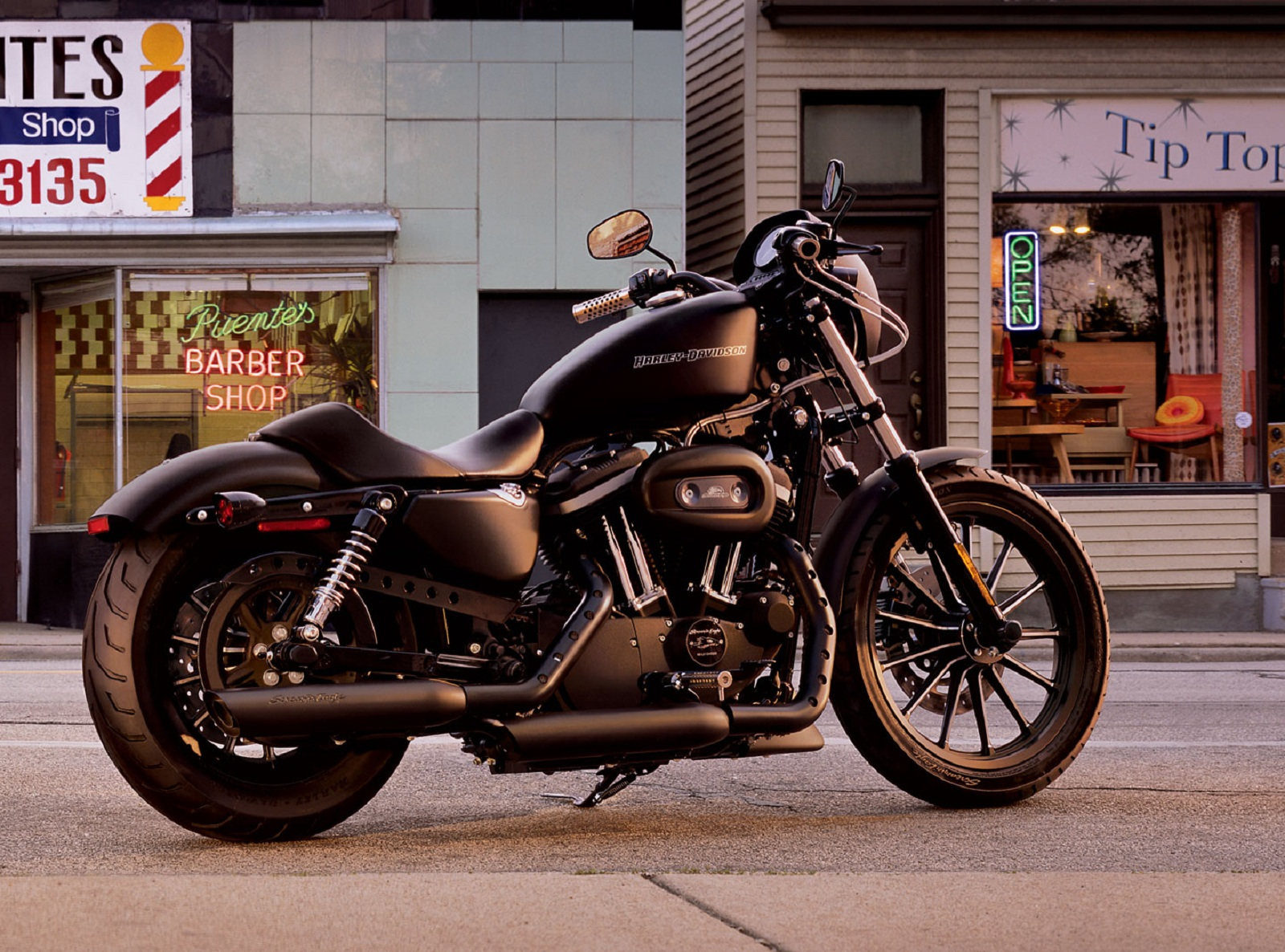 2012 Harley-Davidson Sportster XL883N Iron 883 Review - Top Speed