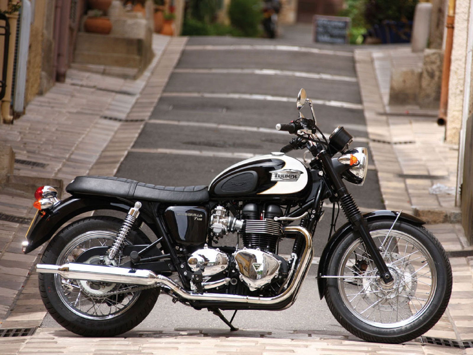 2012 Triumph Bonneville Top Speed
