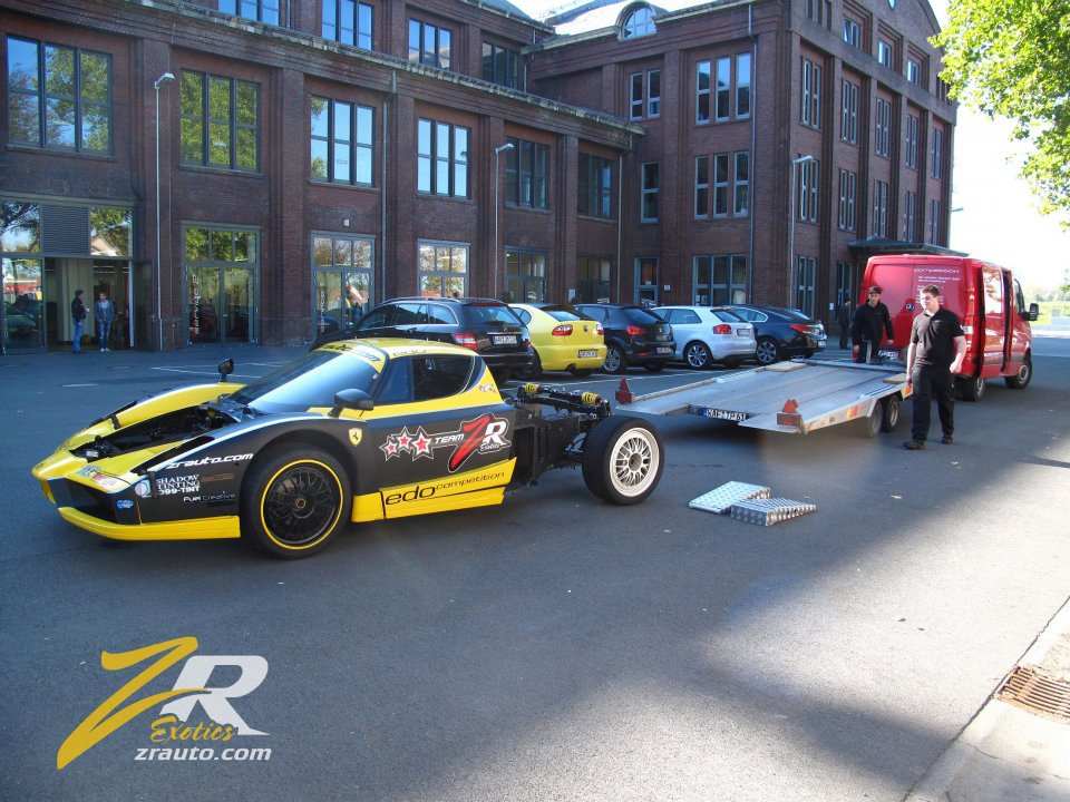 Crashed Edo Competition Ferrari Enzo Fxx Evoluzione Being Prepared For Track Comeback Pictures Photos Wallpapers Top Speed