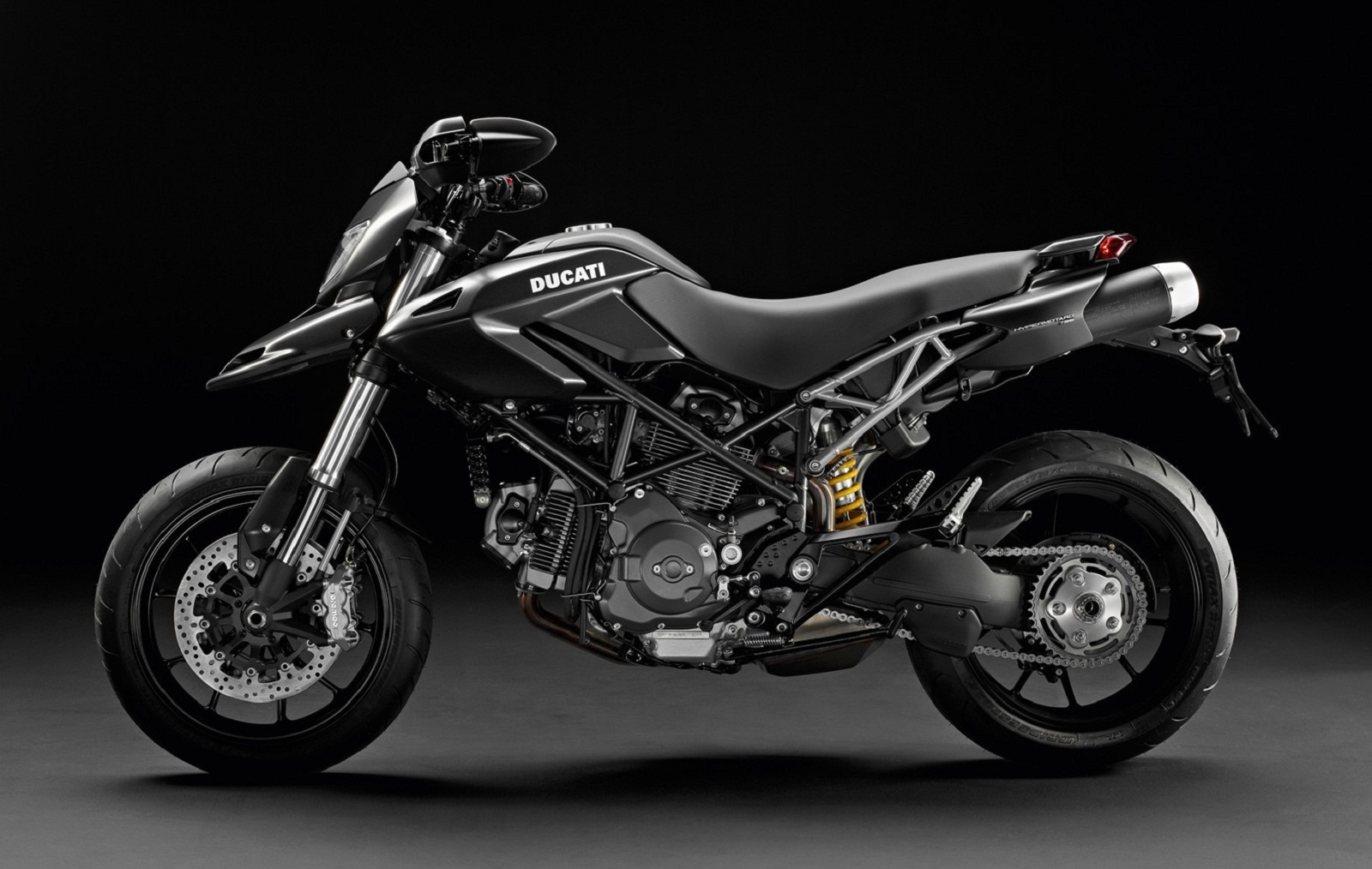 2012 Ducati Hypermotard 796 Review - Top Speed