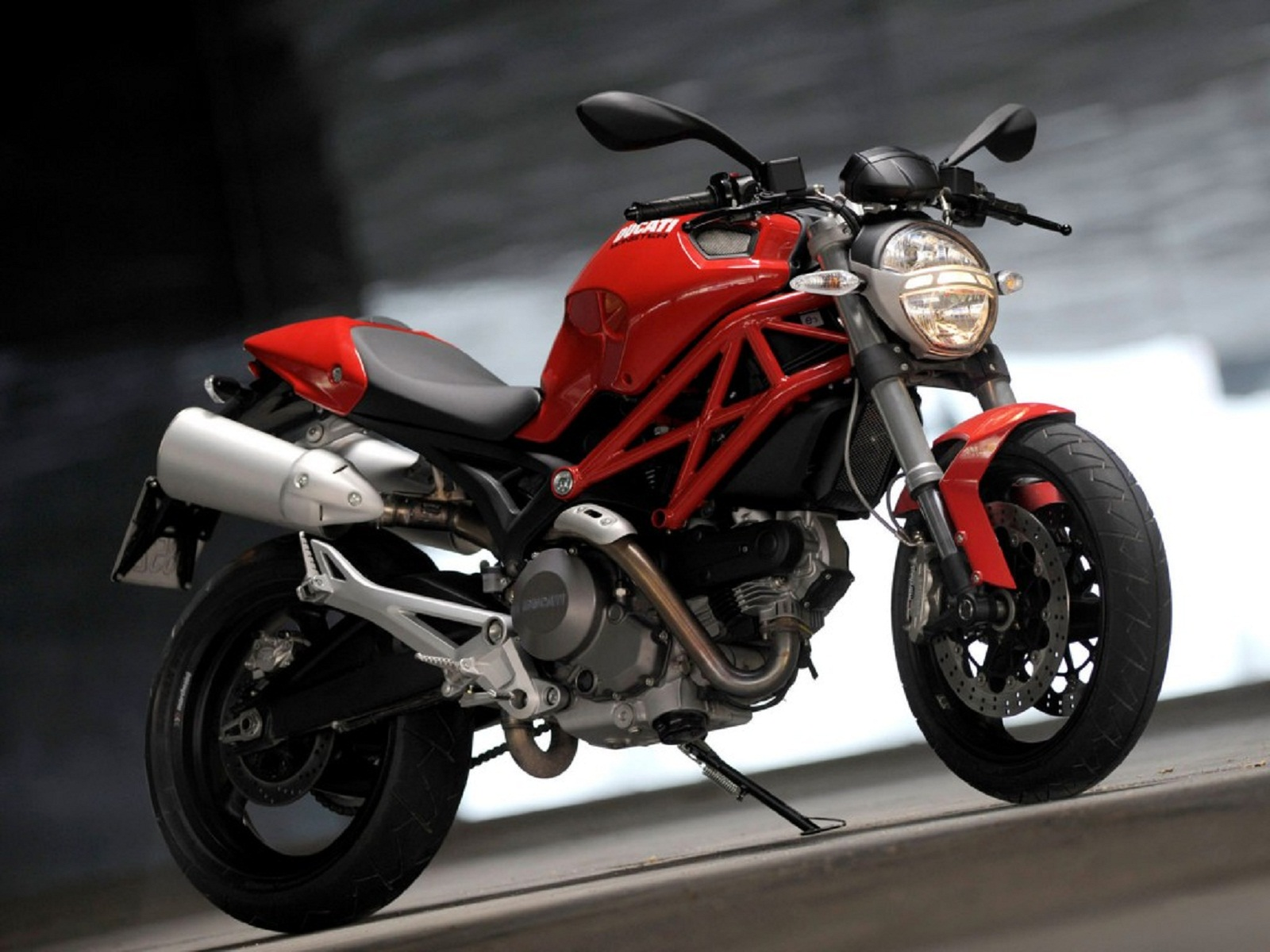 2012 ducati monster 696 review top speed. Black Bedroom Furniture Sets. Home Design Ideas