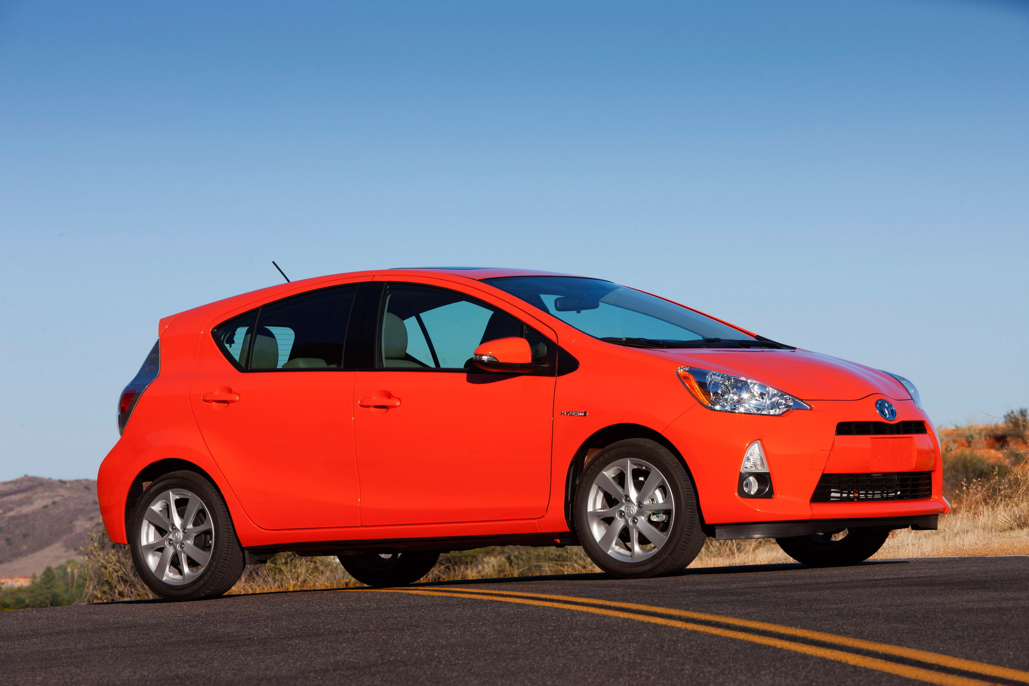 2012 toyota prius c review top speed. Black Bedroom Furniture Sets. Home Design Ideas