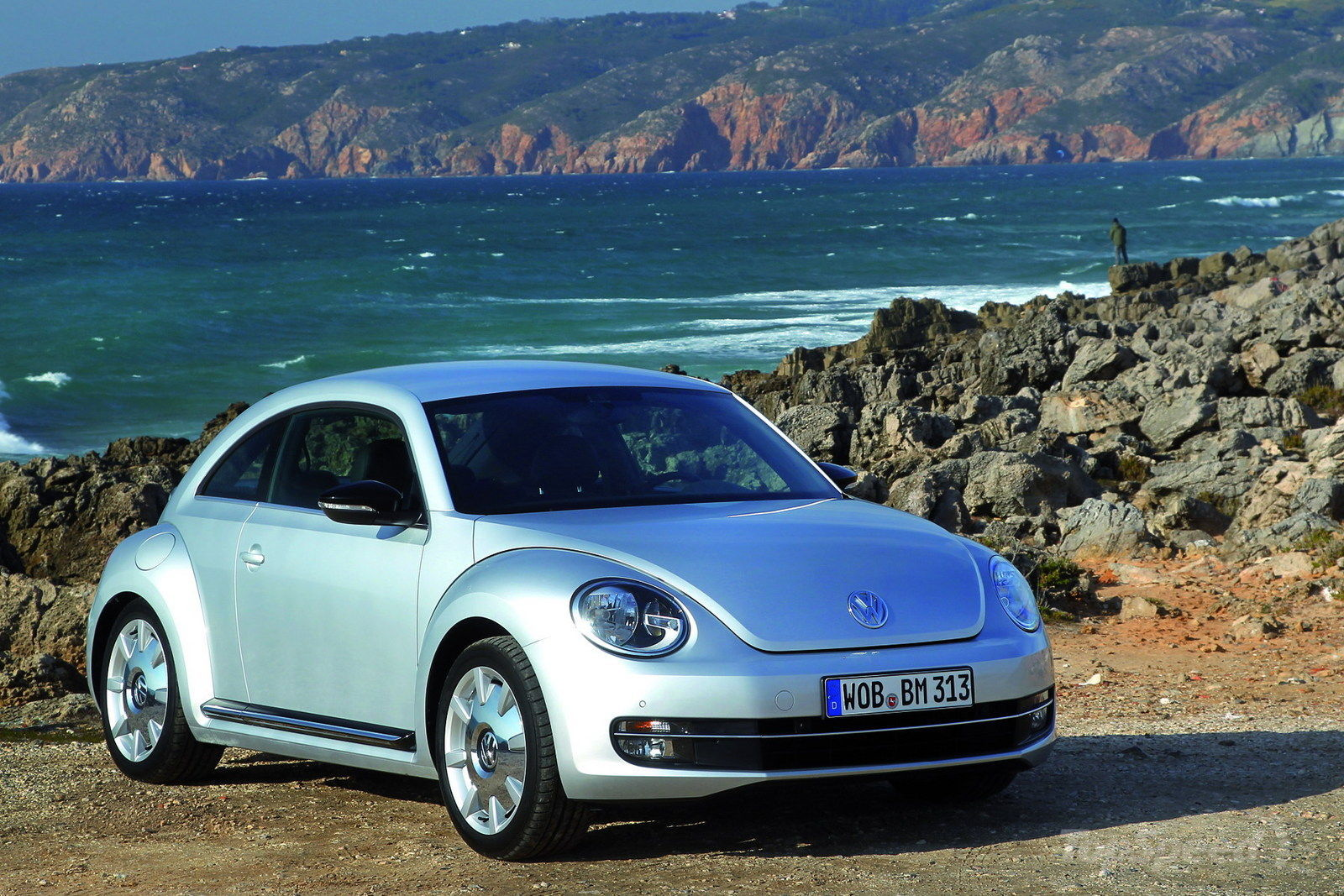 2012 VW Beetle Commercial: Relax Guys, It's Okay To Drive