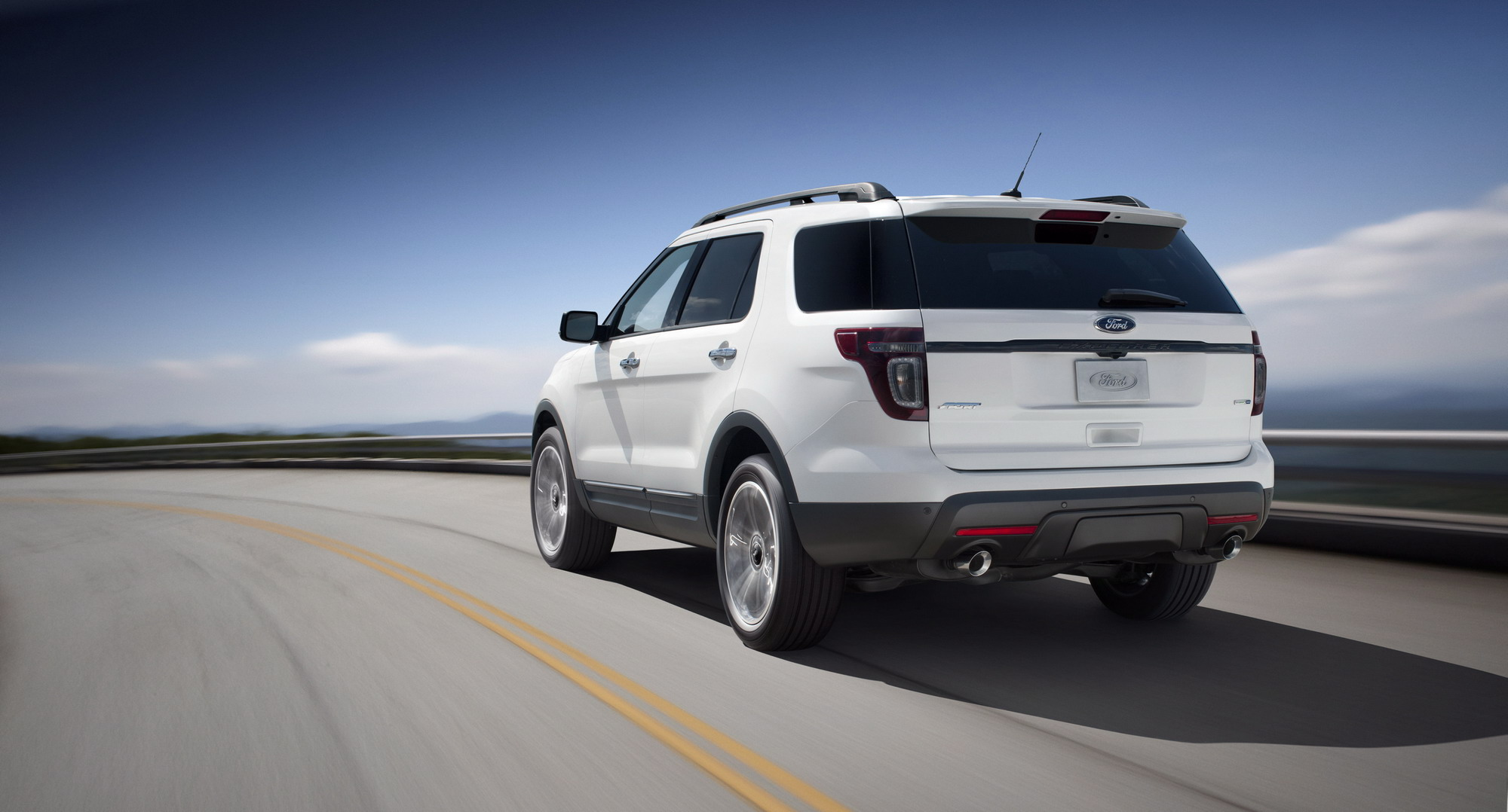 2013 ford explorer sport top speed