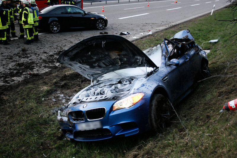 2012 M5 Hits 186 Mph On The Autobahn, Then Loses Control   Top Speed