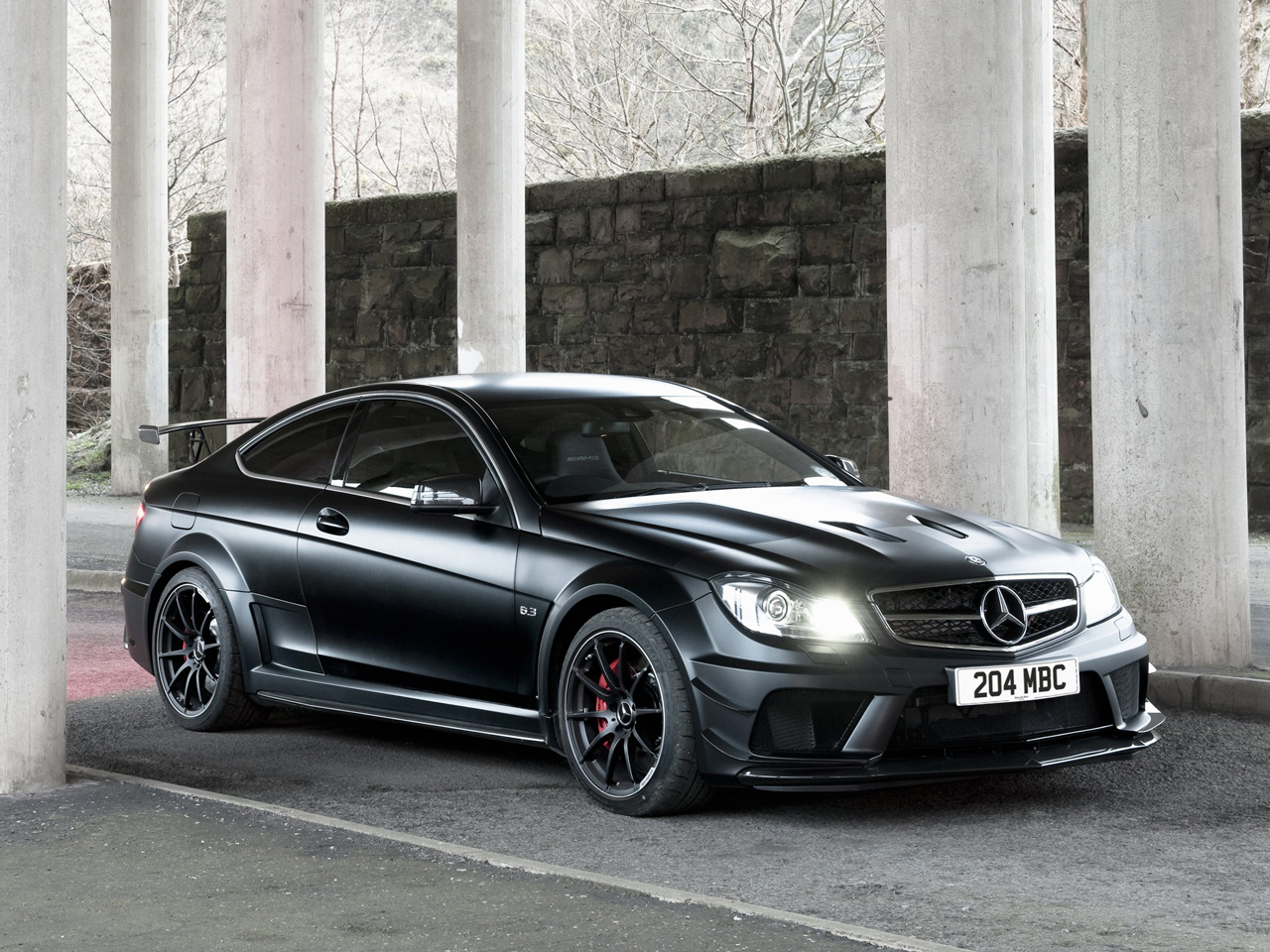 2013 mercedes c63 amg black series coupe review top speed. Black Bedroom Furniture Sets. Home Design Ideas