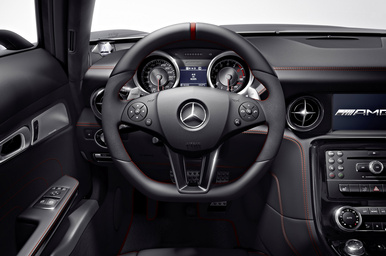 2013 Mercedes-Benz SLS AMG GT | Top Speed