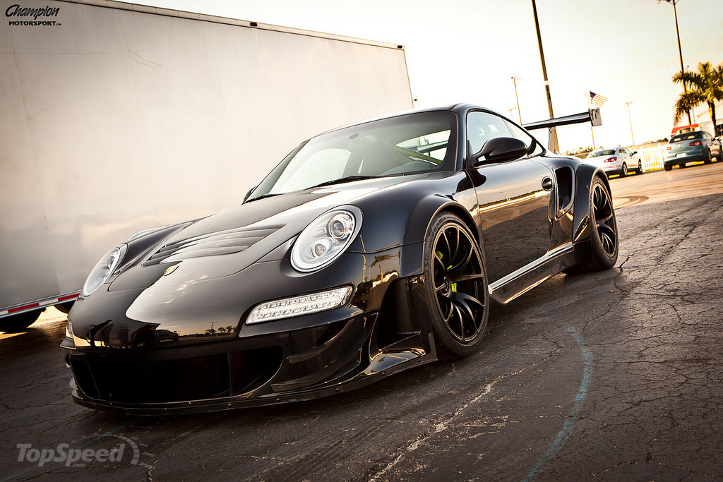 http://pictures.topspeed.com/IMG/jpg/201206/porsche-911-rsr-by-c-7w.jpg