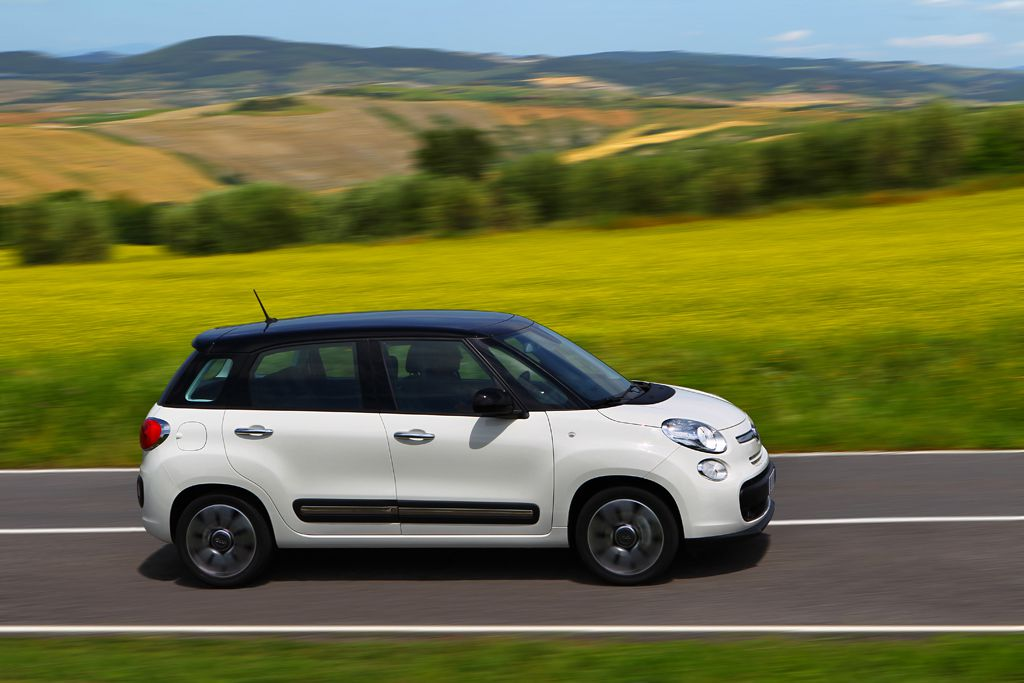 2013 fiat 500l review top speed. Black Bedroom Furniture Sets. Home Design Ideas