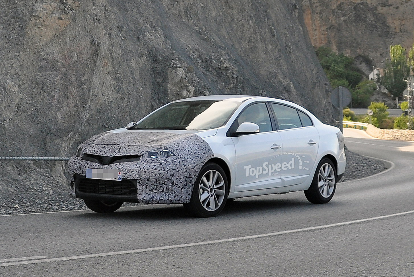 2013 Renault Fluence Review Top Speed