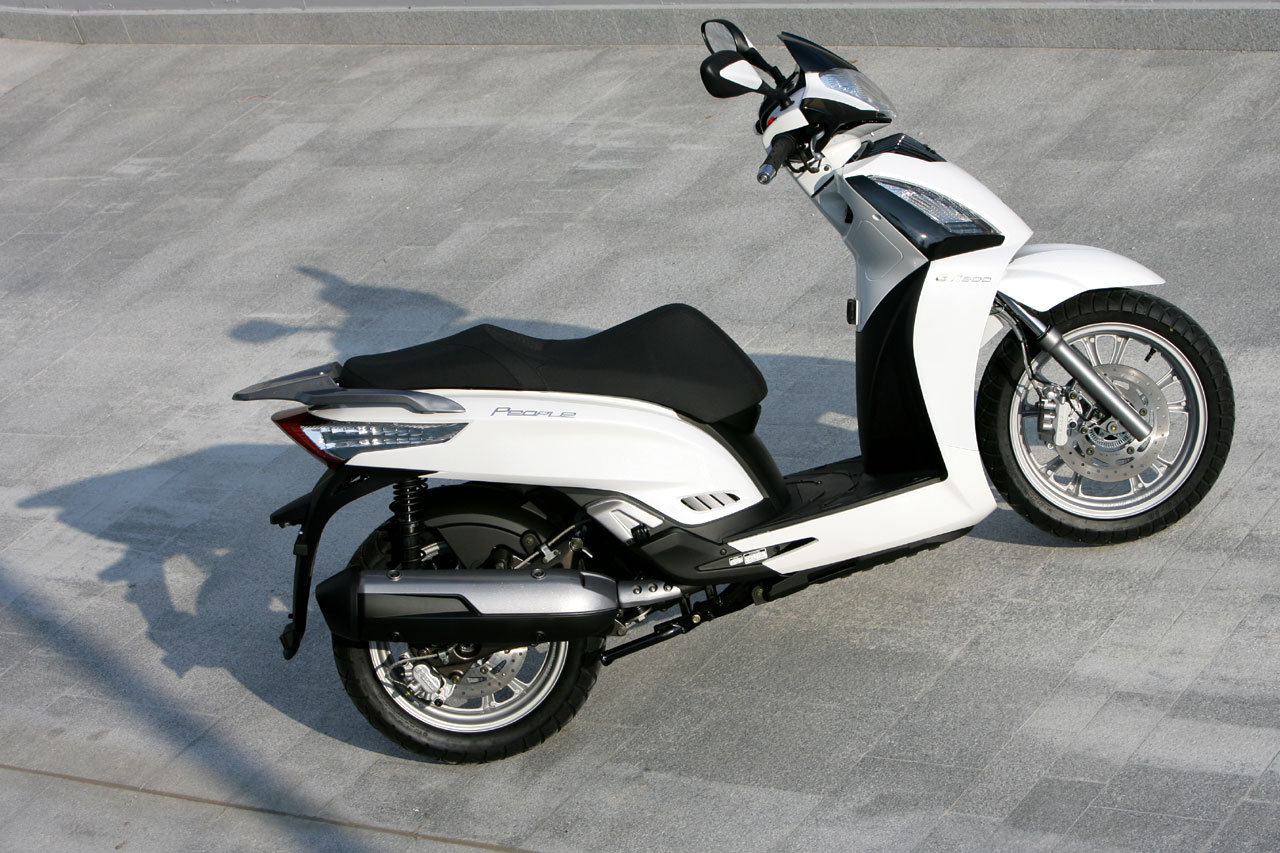 2012 kymco people gt 300i review - top speed
