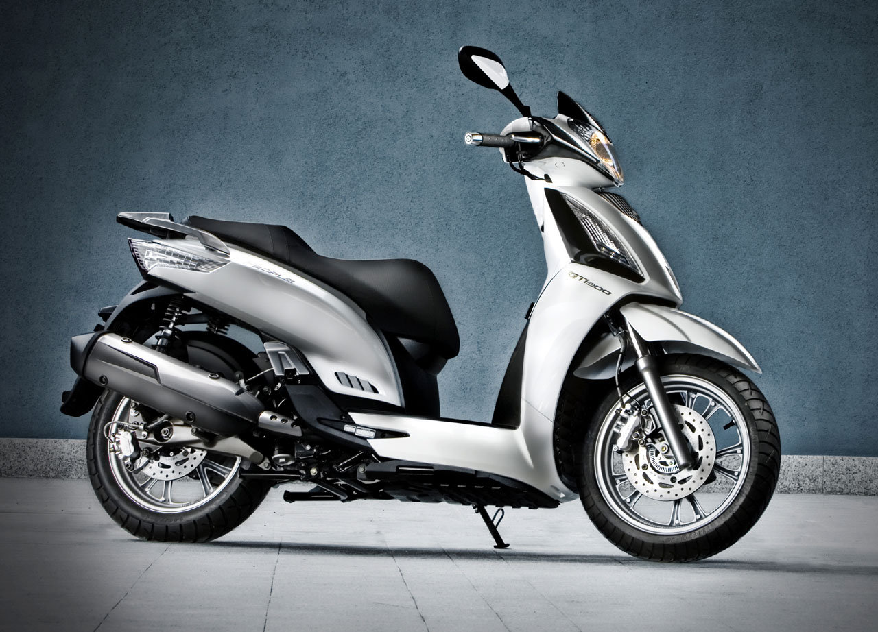 2012 kymco people gt 300i review top speed. Black Bedroom Furniture Sets. Home Design Ideas