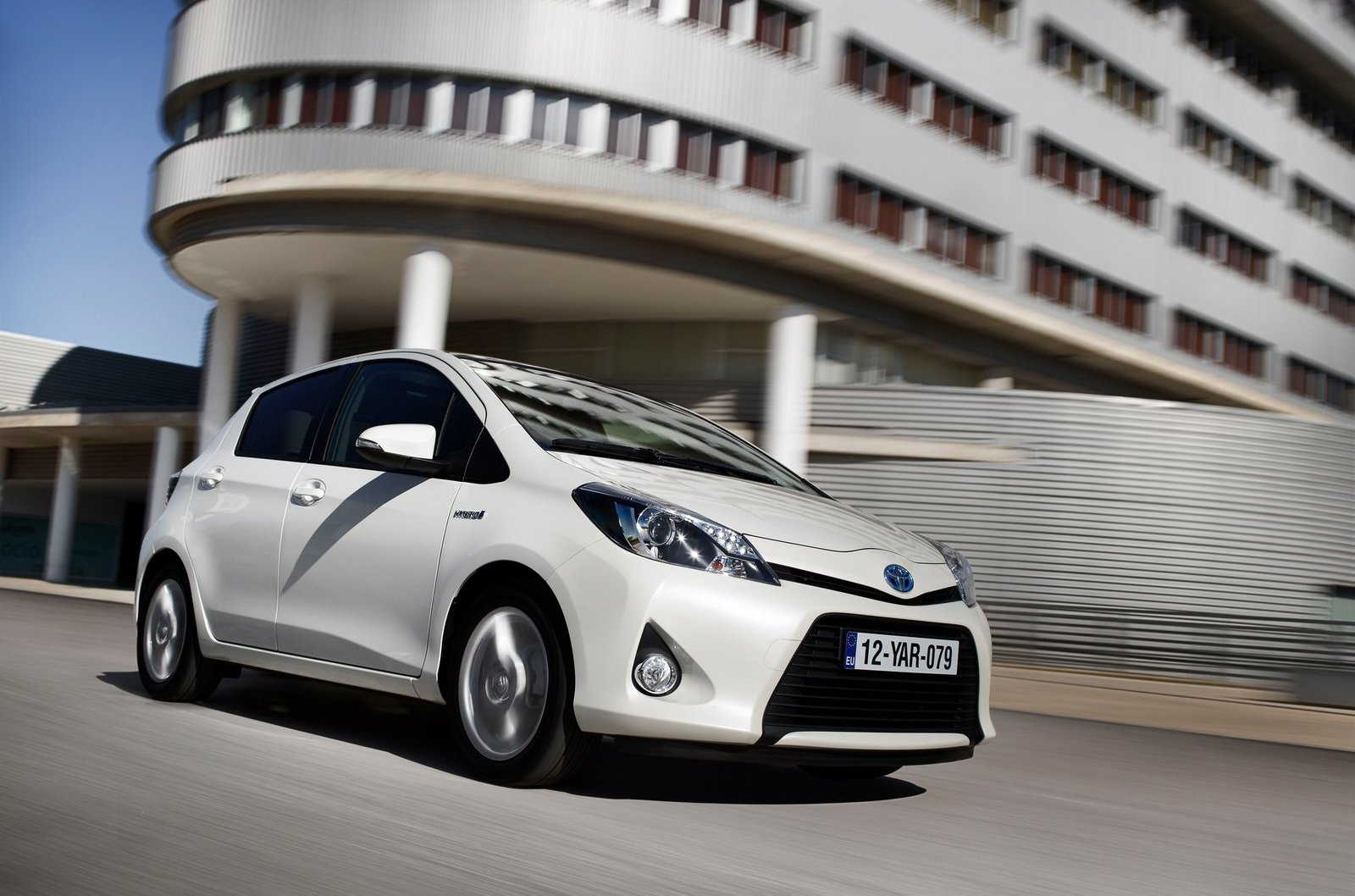 2012 toyota yaris hybrid review top speed. Black Bedroom Furniture Sets. Home Design Ideas