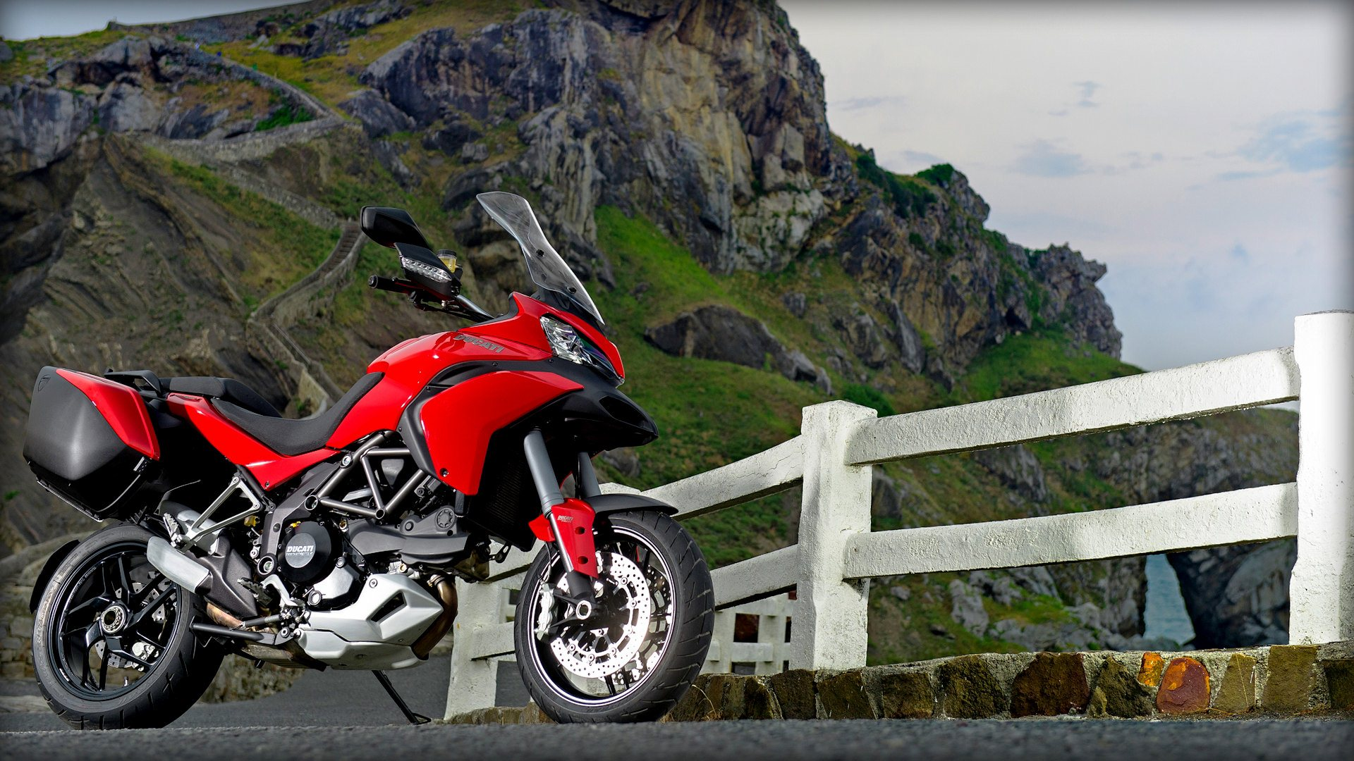 2013 ducati multistrada 1200 s touring review top speed. Black Bedroom Furniture Sets. Home Design Ideas