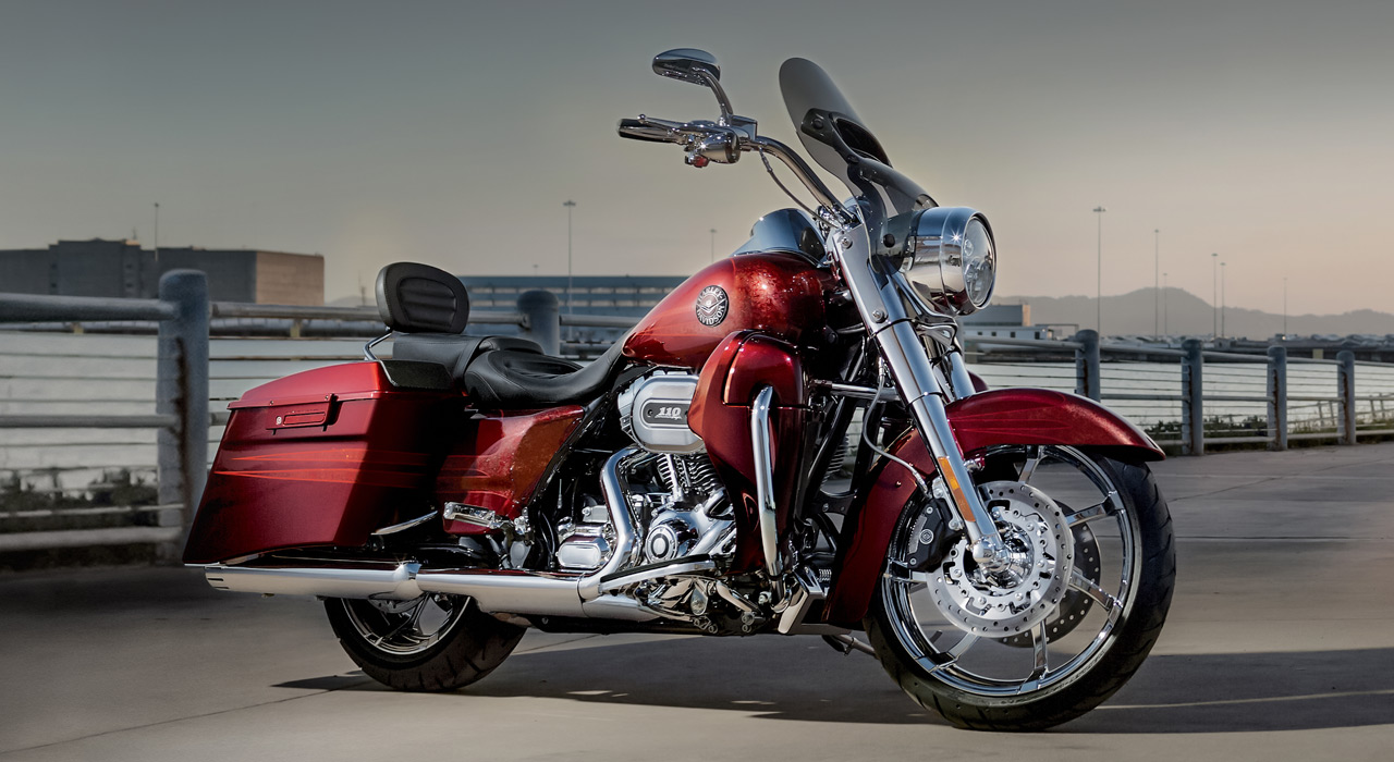 2013 harley davidson cvo road king review top speed. Black Bedroom Furniture Sets. Home Design Ideas