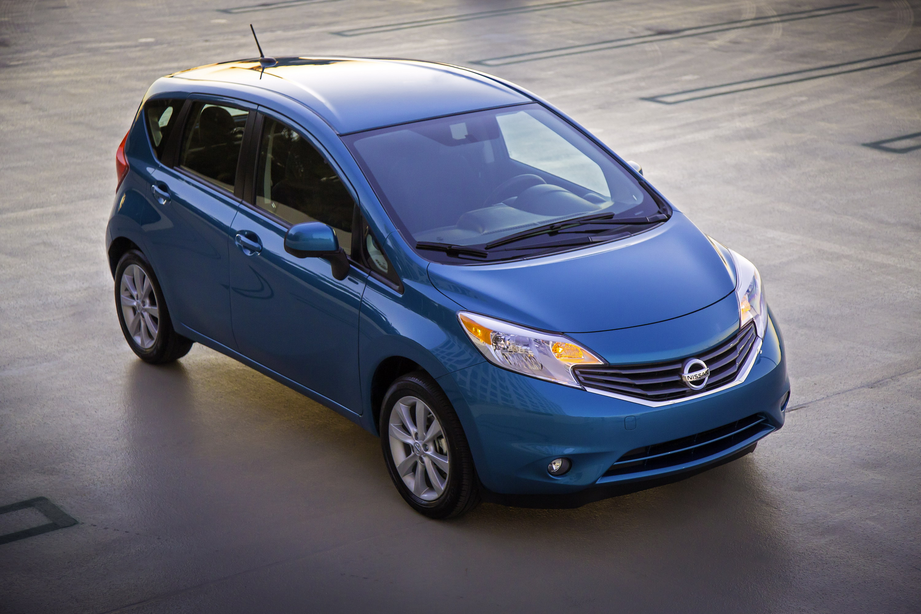 2014 nissan versa note review top speed. Black Bedroom Furniture Sets. Home Design Ideas